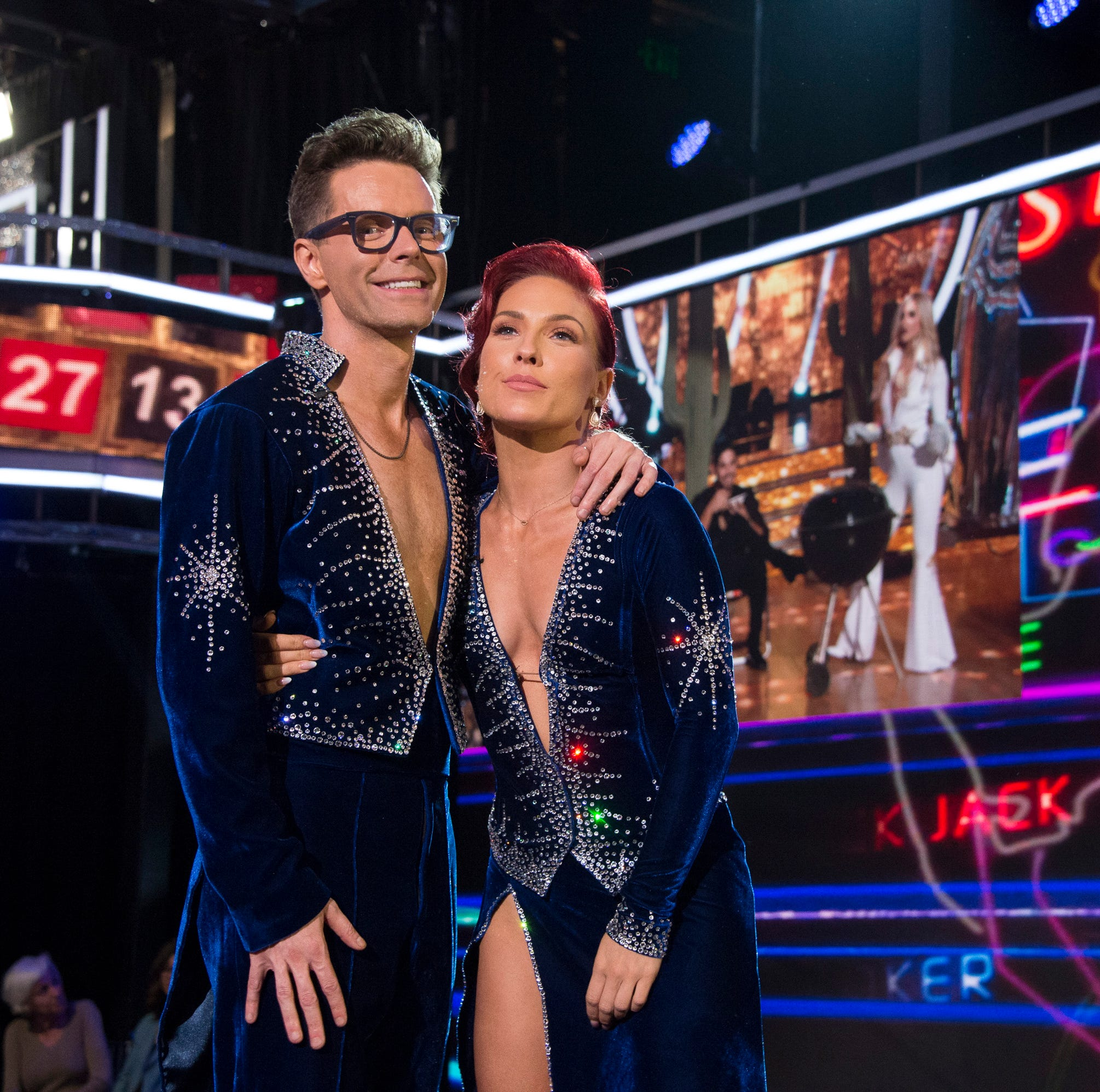 Dancing with the Stars: Bobby Bones does MC Hammer, dances on judges' table