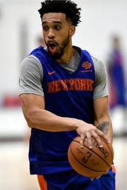 New York Knicks' Courtney Lee dribbles the ball during practice on Tuesday, Oct. 16, 2018, in Greenburgh, N.Y.