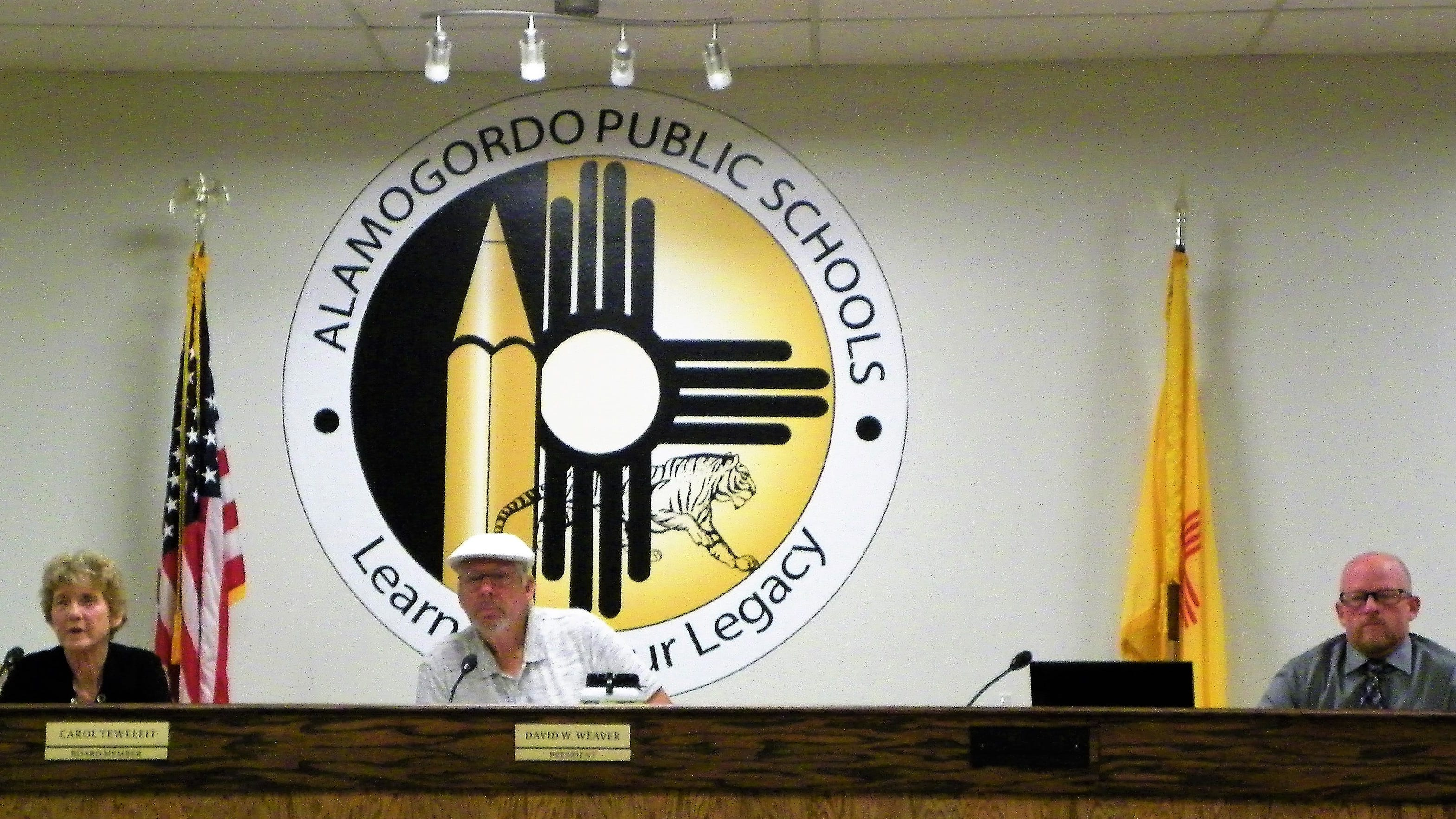 From left Alamogordo Public School Baord member Carol Teweleit, Board President David Weaver and Acting Superintendent Jarrett Perry at a school board work session Oct. 1.