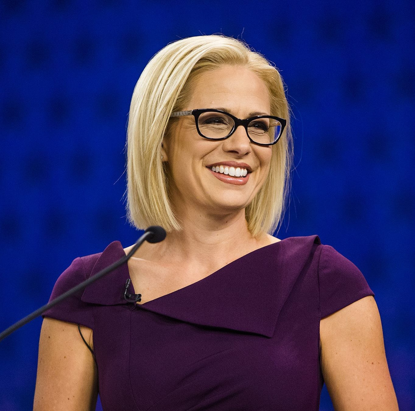 Latinos necesitan a Kyrsten Sinema en Washington, Martha McSally no es nuestra aliada
