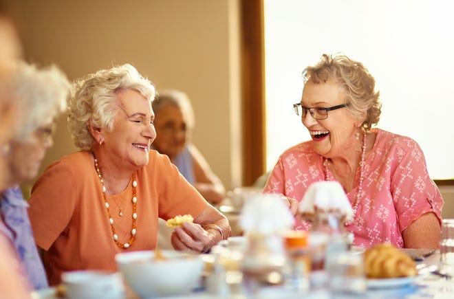 Flexible dining options are just one of many factors to consider when choosing a senior community.