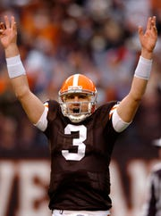Derek Anderson during his Cleveland Browns career. He has 47 NFL starts, posting a 20-27-0 record with more than 10,000 yards and 60 TD passes. He will start for the Bills Sunday at the Colts.