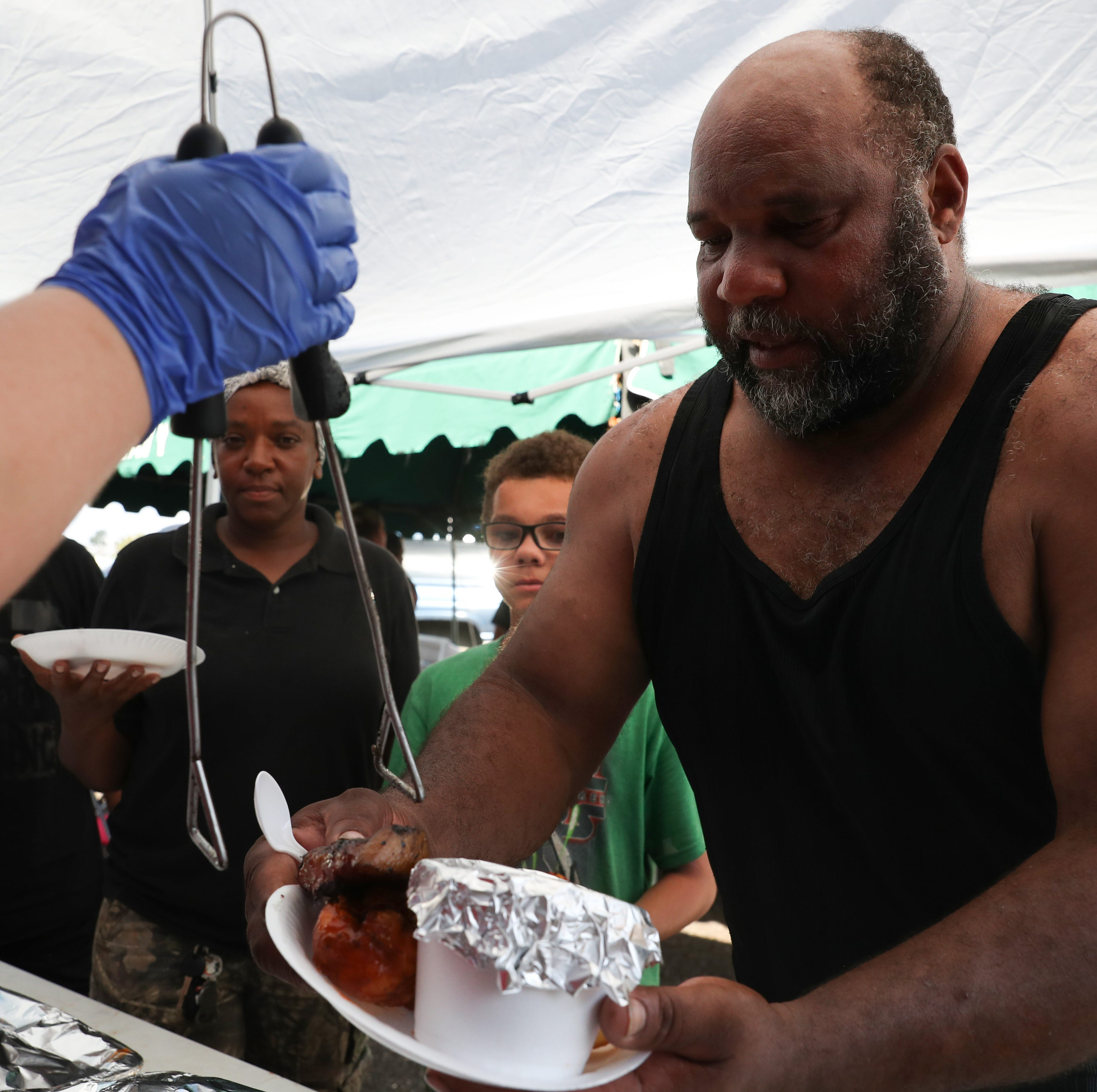 The aroma of Hurricane Michael relief: BBQ in Blountstown