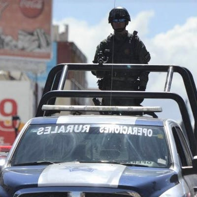 Mexico violence leaves 5 dead —  4 decapitated —  on a road in Chihuahua state
