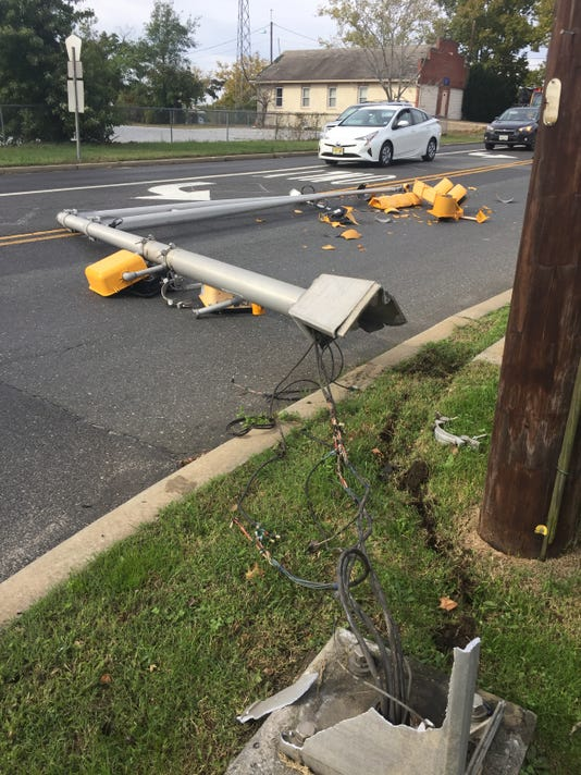 Oak Road downed light