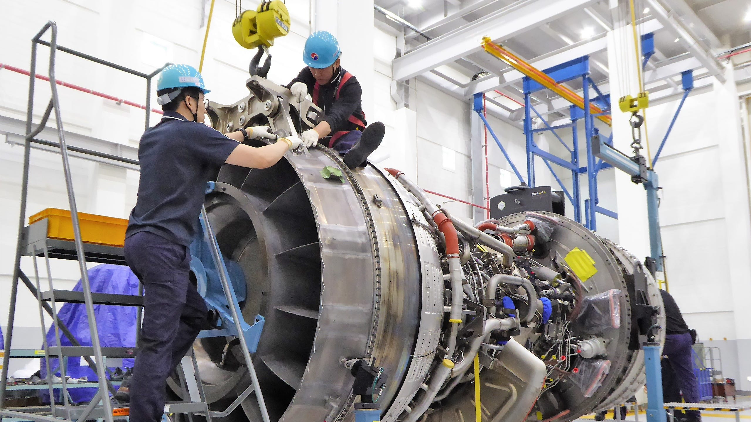 Technicians at work in Korean Air's Engine Test Cell.