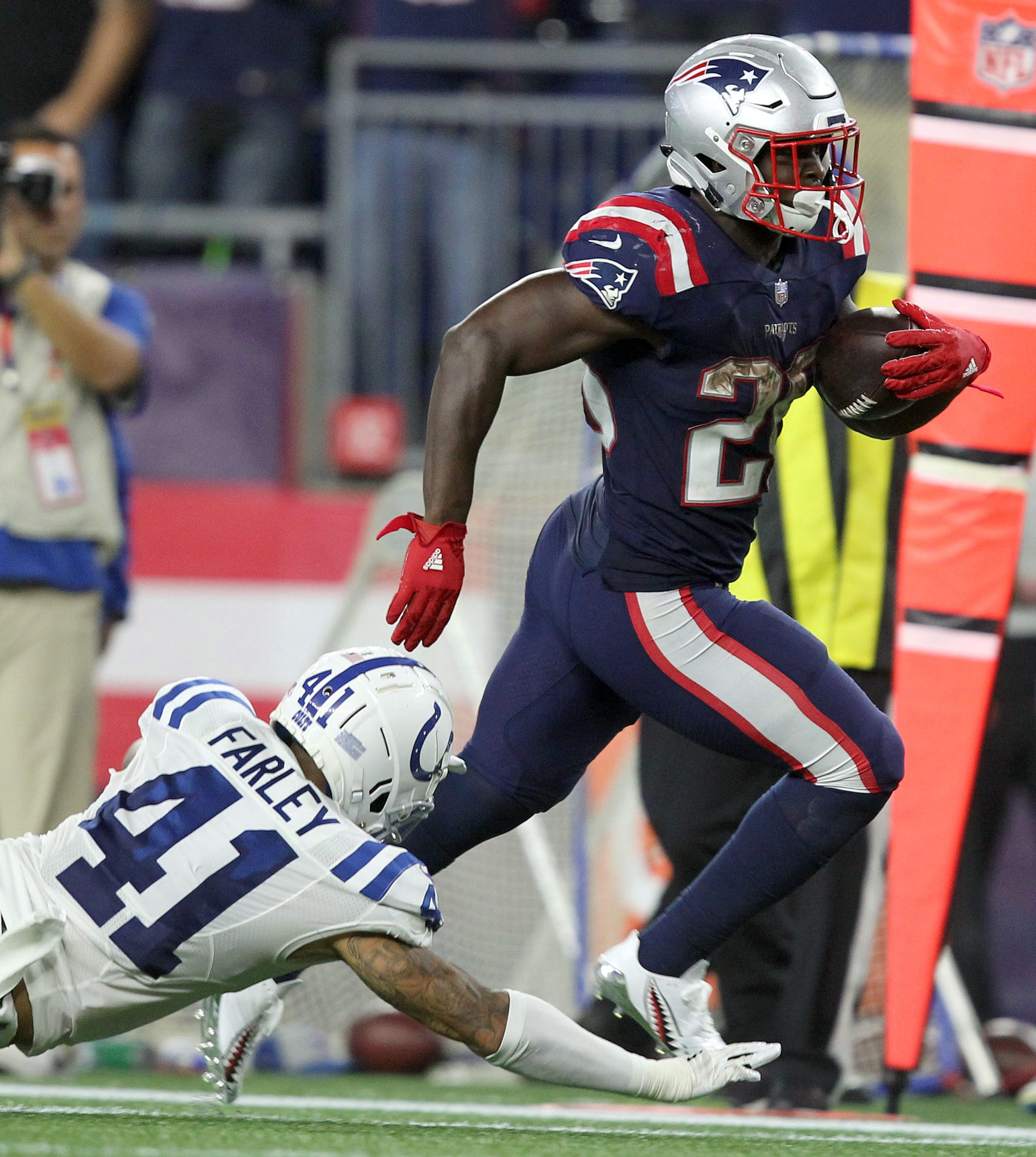 2. Patriots (4): Sony Michel has little shot of overtaking Saquon Barkley in ROY race, but he does lead all first-year backs with 80 rush yards per game.