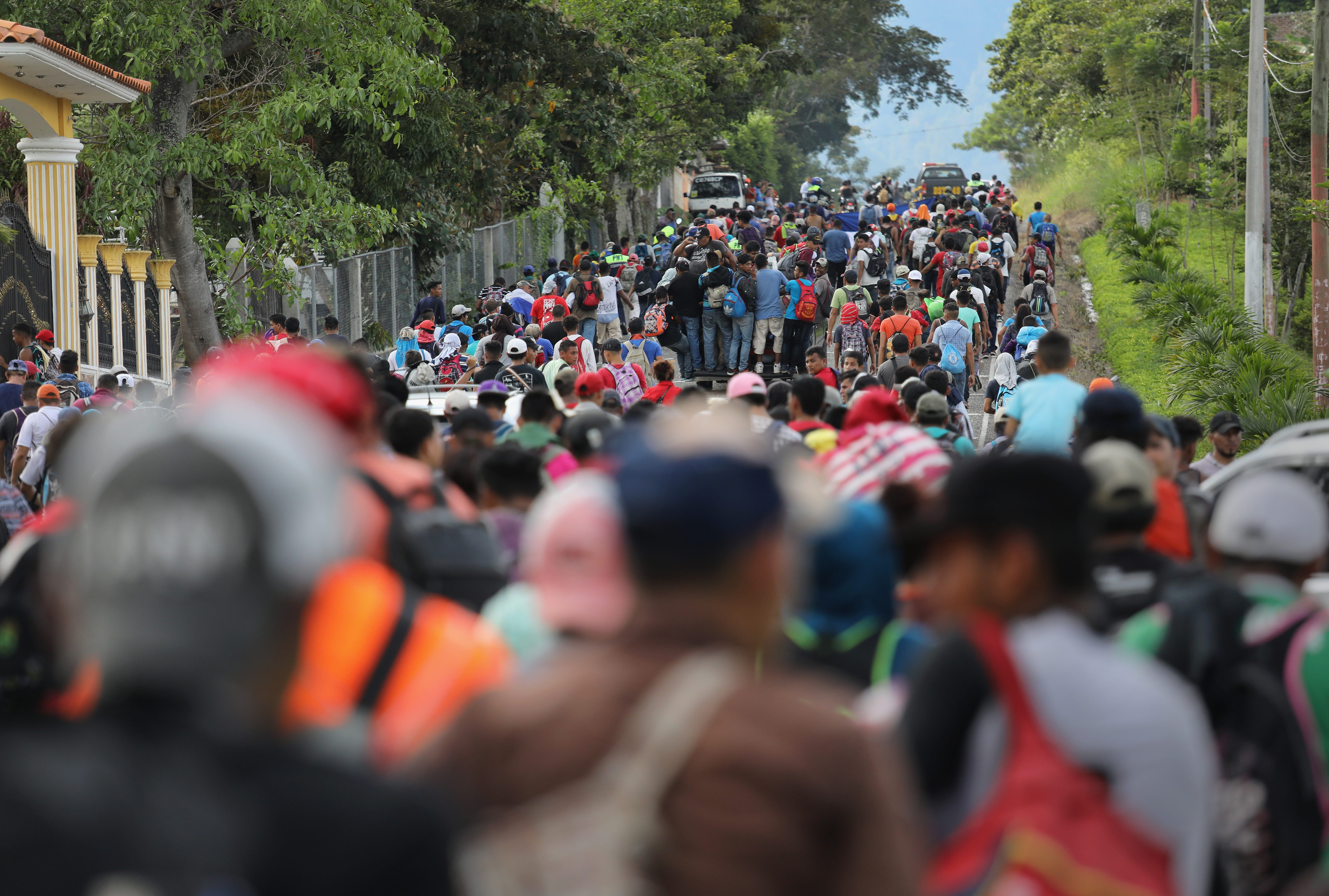 Mexican government sends federal police to intercept caravan of U.S.-bound migrants