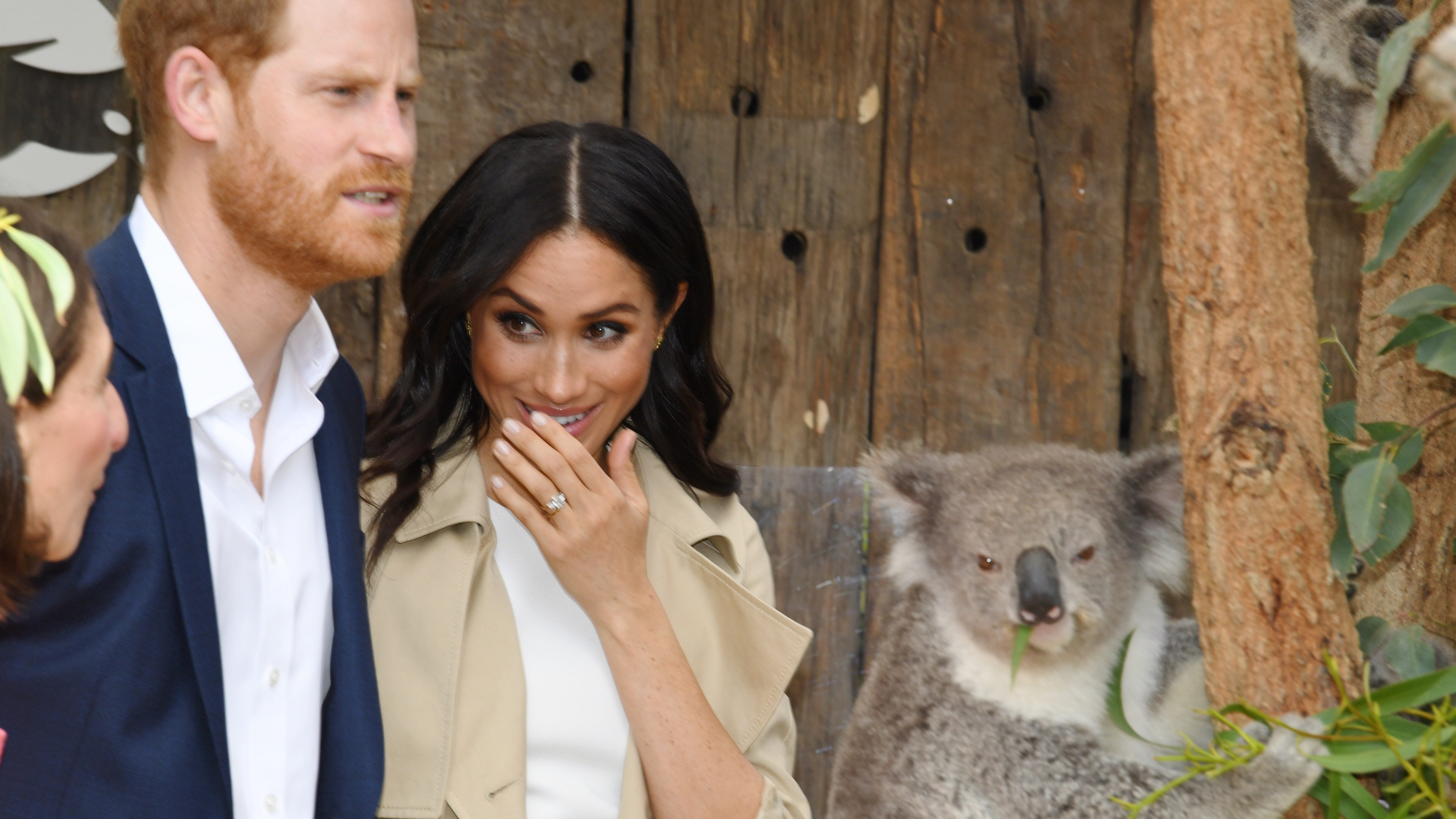 Pregnant Duchess Meghan plays with koalas, greets elated Aussie fans on Day 1 of tour