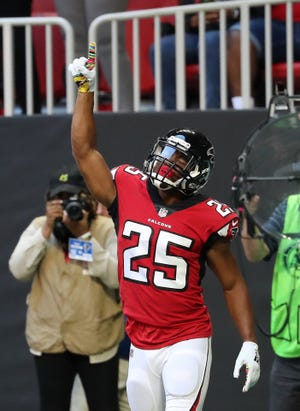 Falcons running back Ito Smith had just 21 total yards in Week 6, but has scored a touchdown in three consecutive games.
