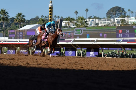 Roy H (8) wins the 34th Breeders Cup Sprint at Del Mar Thoroughbred Club.