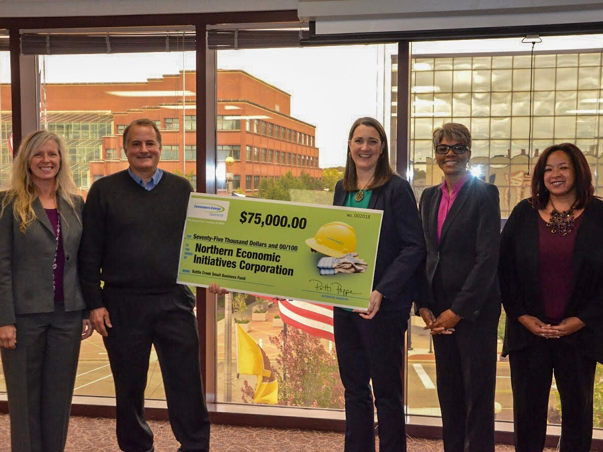 Consumers Energy contributes $75,000 to Kellogg Foundation's Small Business Loan Fund
