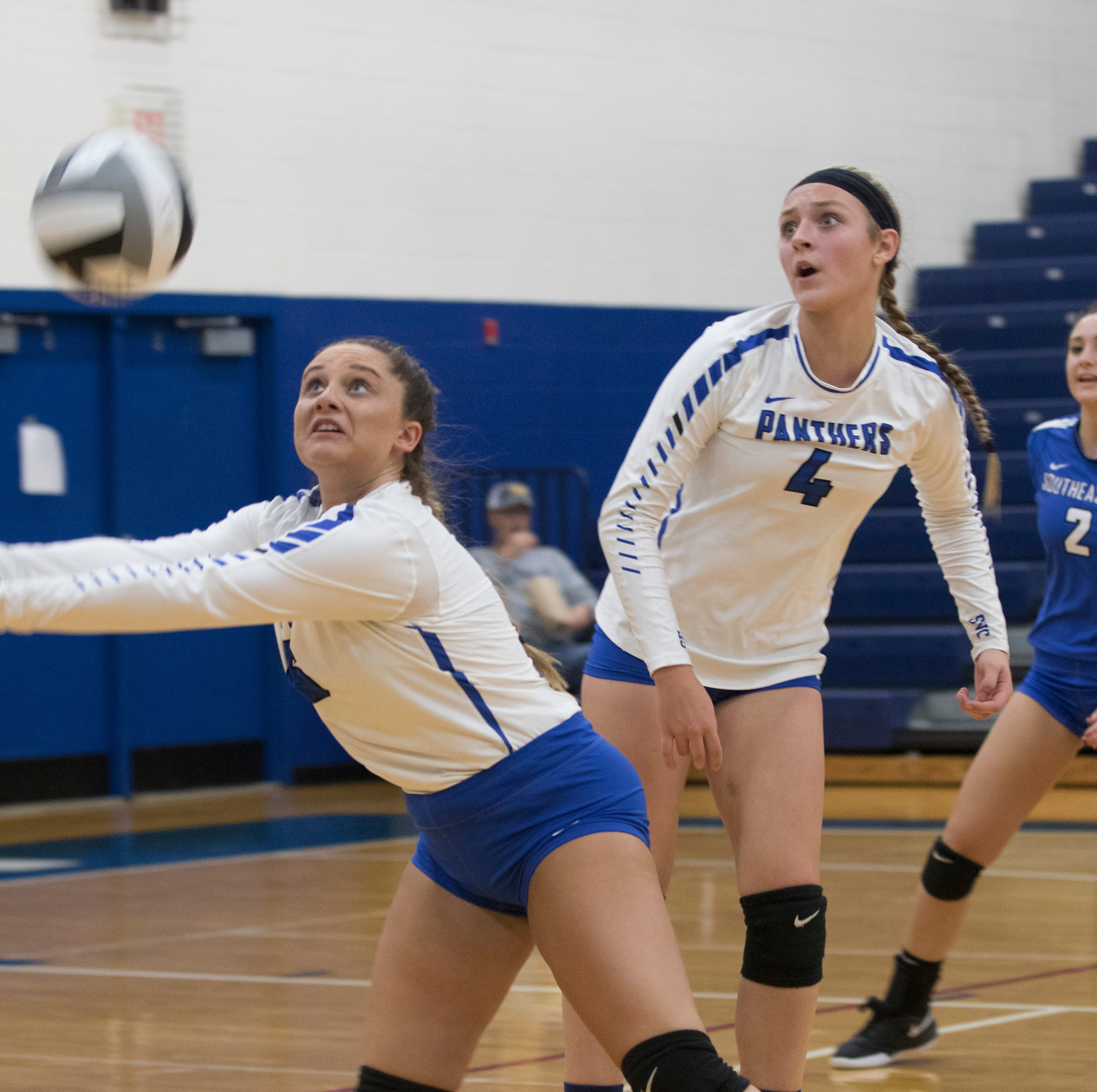 Division III  Volleyball Sectional Semifinal: Southeastern vs Oak Hill