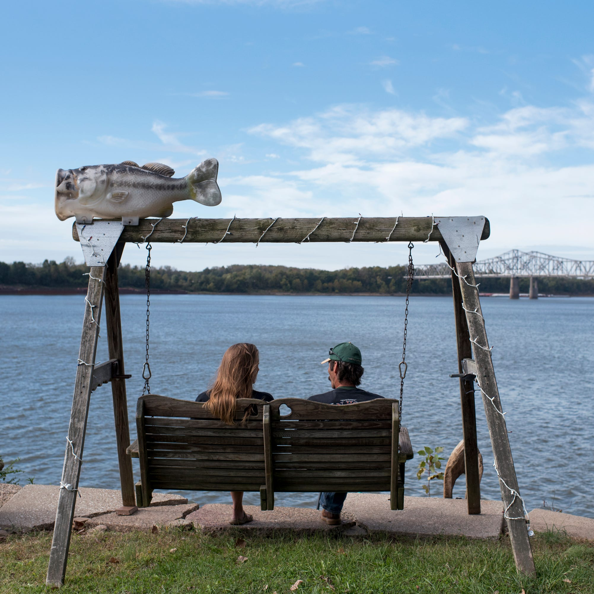 Personal paradise: Ohio River draws a strong, tight-knit community