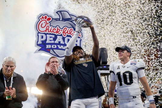 Ncaa Football Peach Bowl Auburn Vs Central Florida