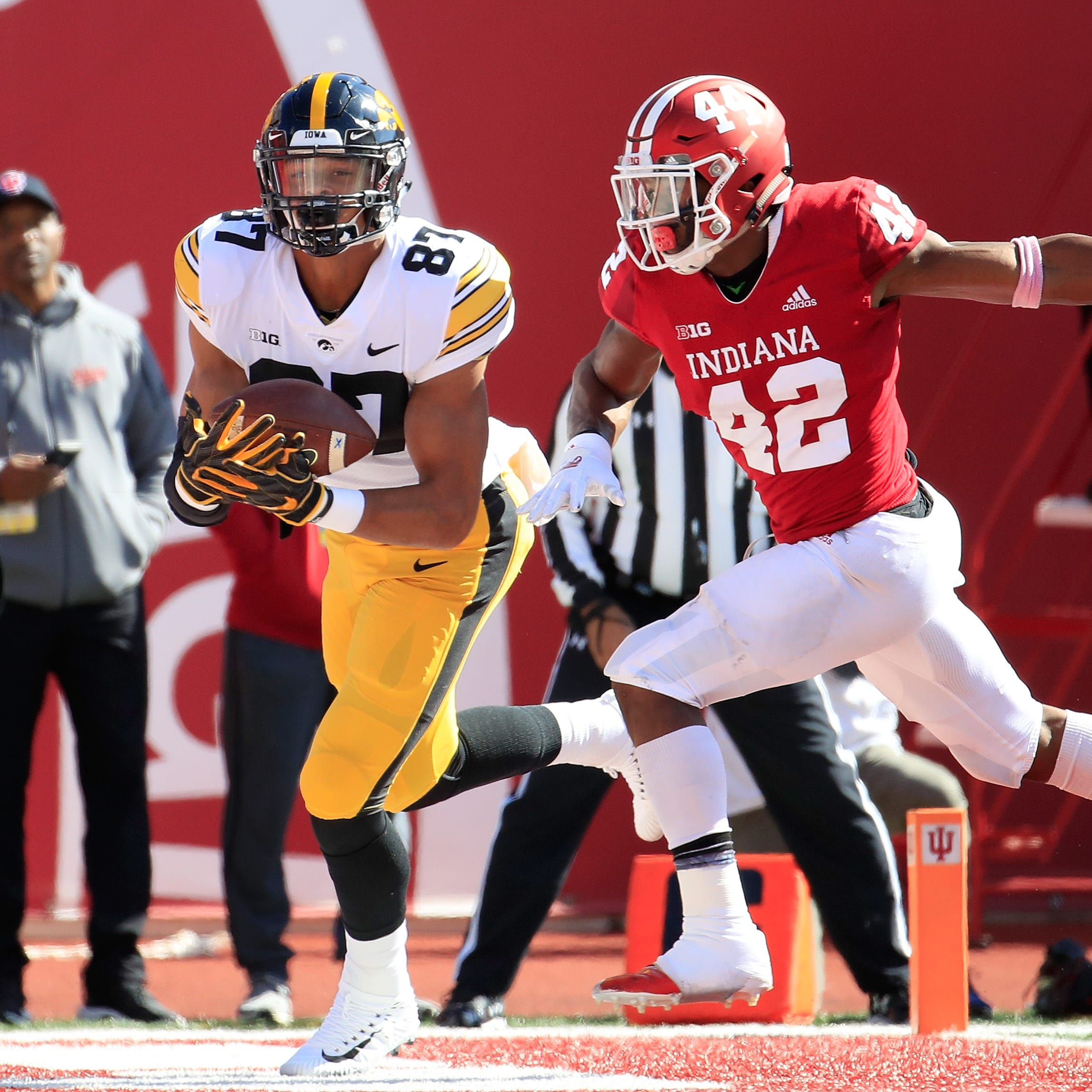 Iowa football: Tight ends Noah Fant, T.J. Hockenson share national award