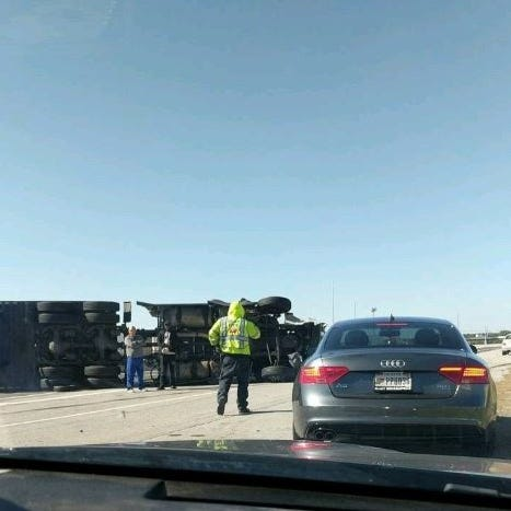 Overturned semi on westbound I-465 snarls traffic in northeastern Indianapolis for miles
