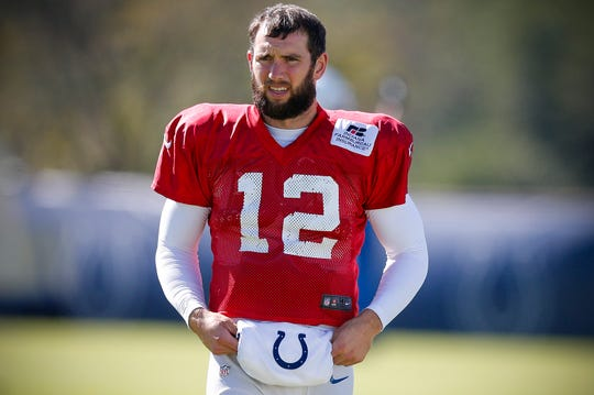 Indianapolis Colts quarterback Andrew Luck warms up prior to practice October 17, 2018.
