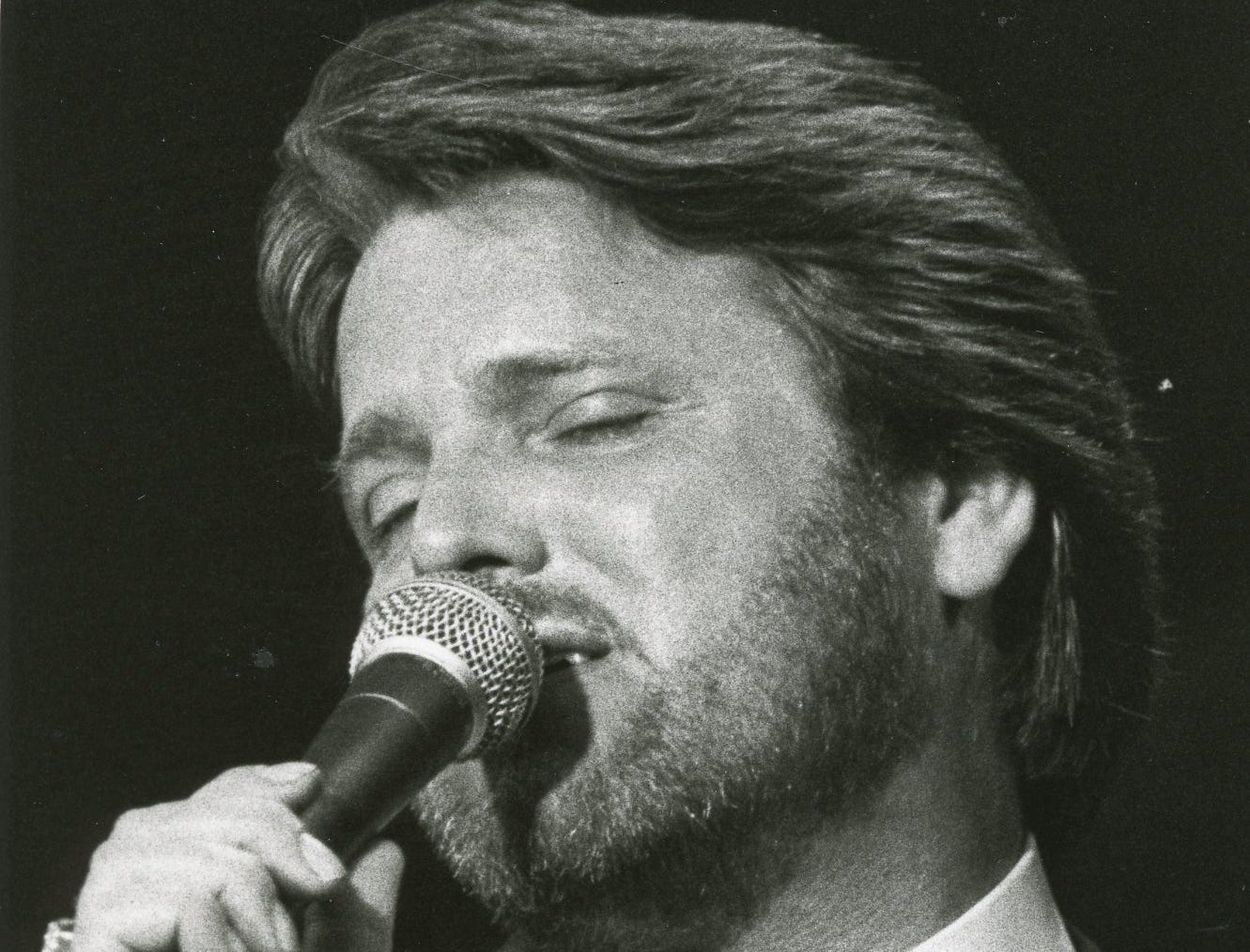 Con Hunley performs, May, 1983.