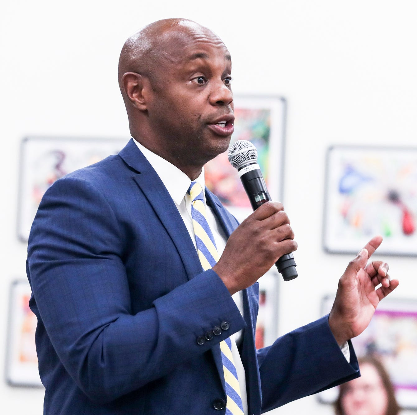 Shelby County Schools Superintendent Dorsey Hopson resigning Tuesday, sources say