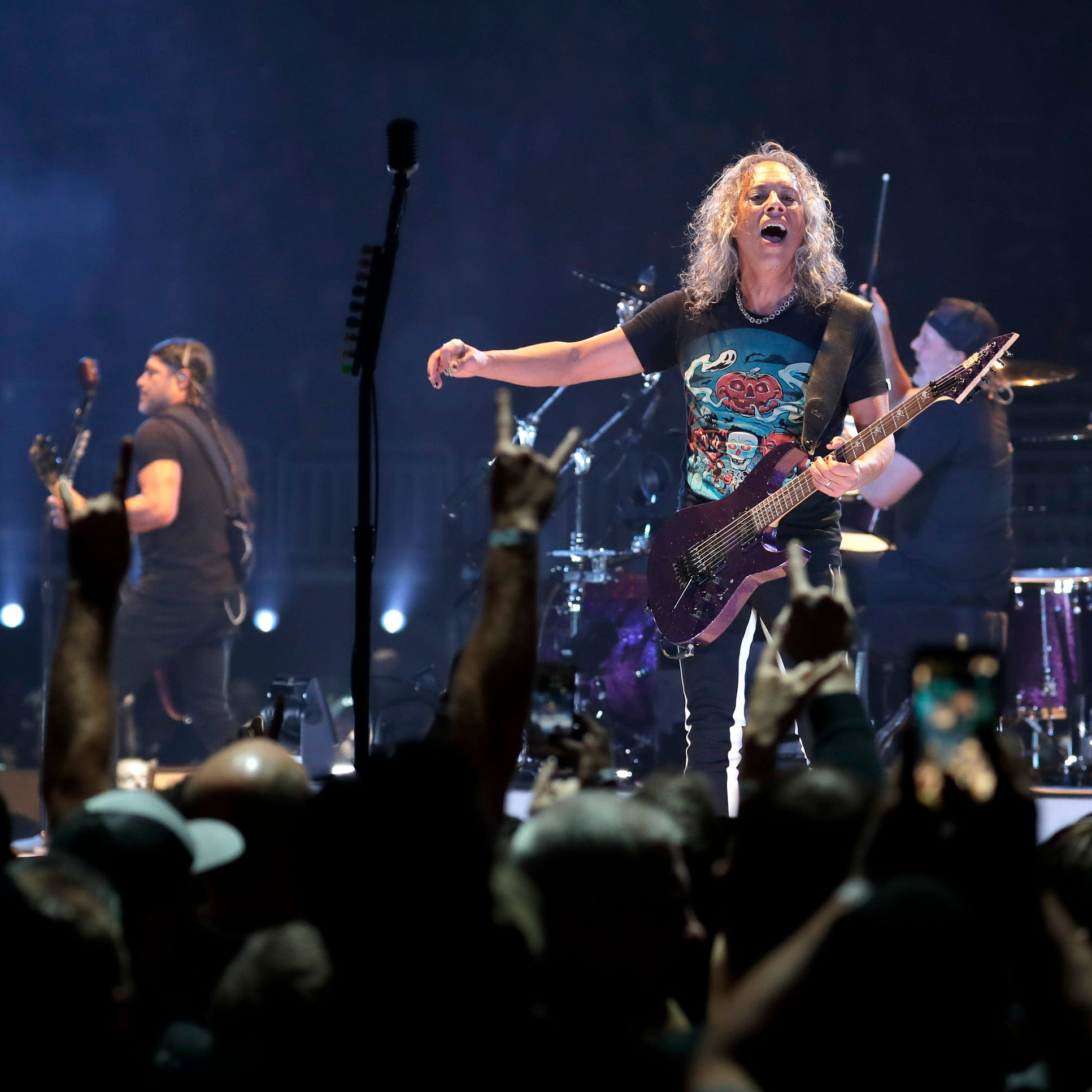 Metallica sets Fiserv Forum attendance record that's hard to top, donates to local charity