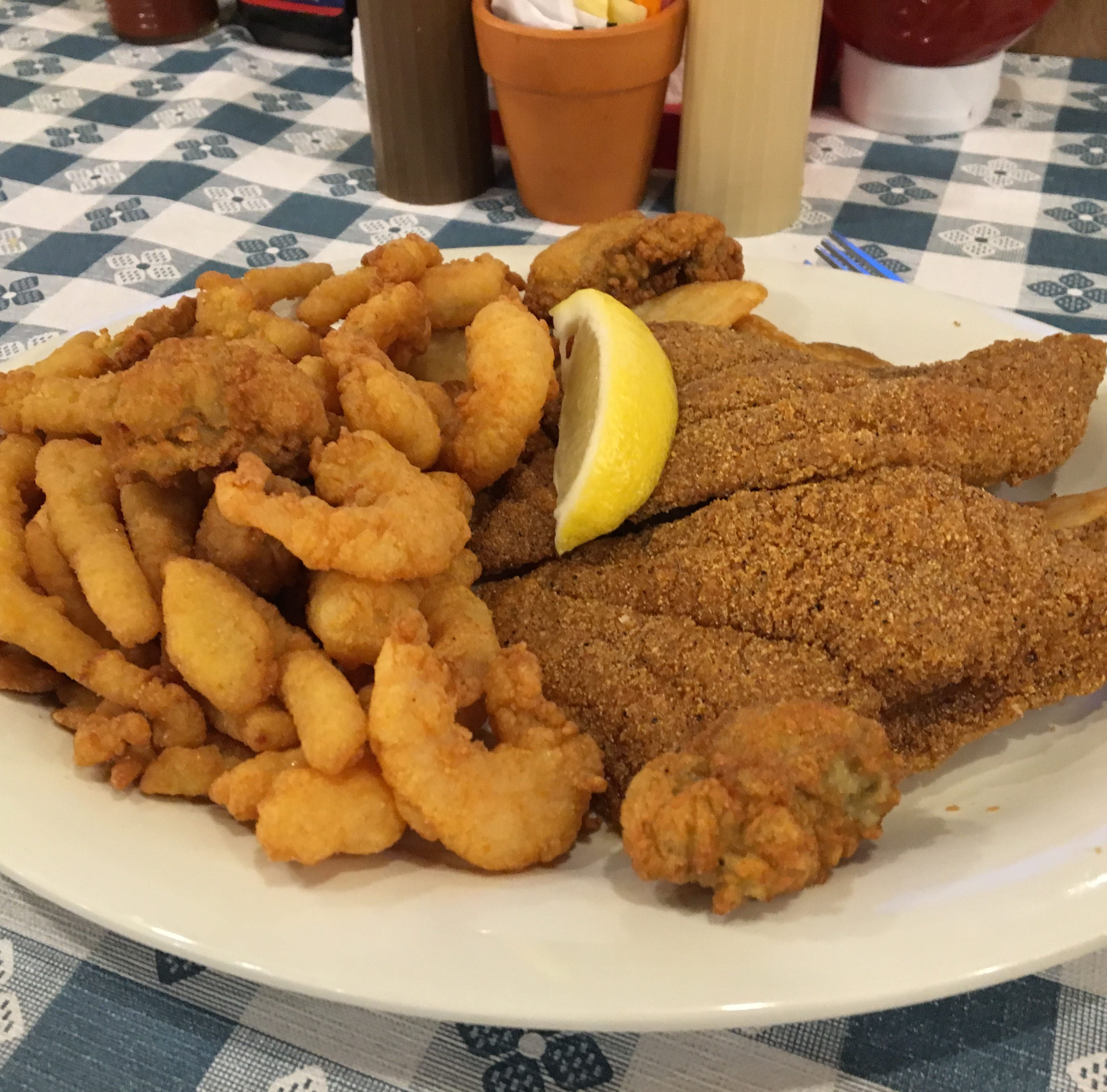 All-you-can-eat chicken, fish, sides on the menu at Uncle Bud's
