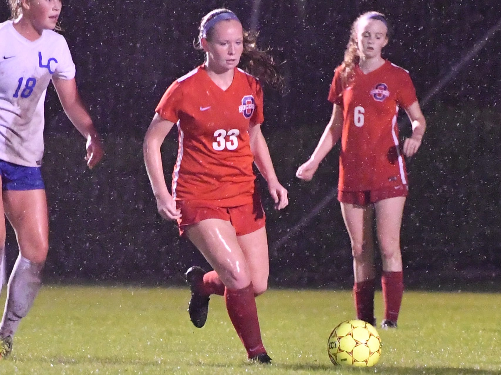 Oakland's Reagan Parker controls possession during Tuesday's region semis against Lincoln County.