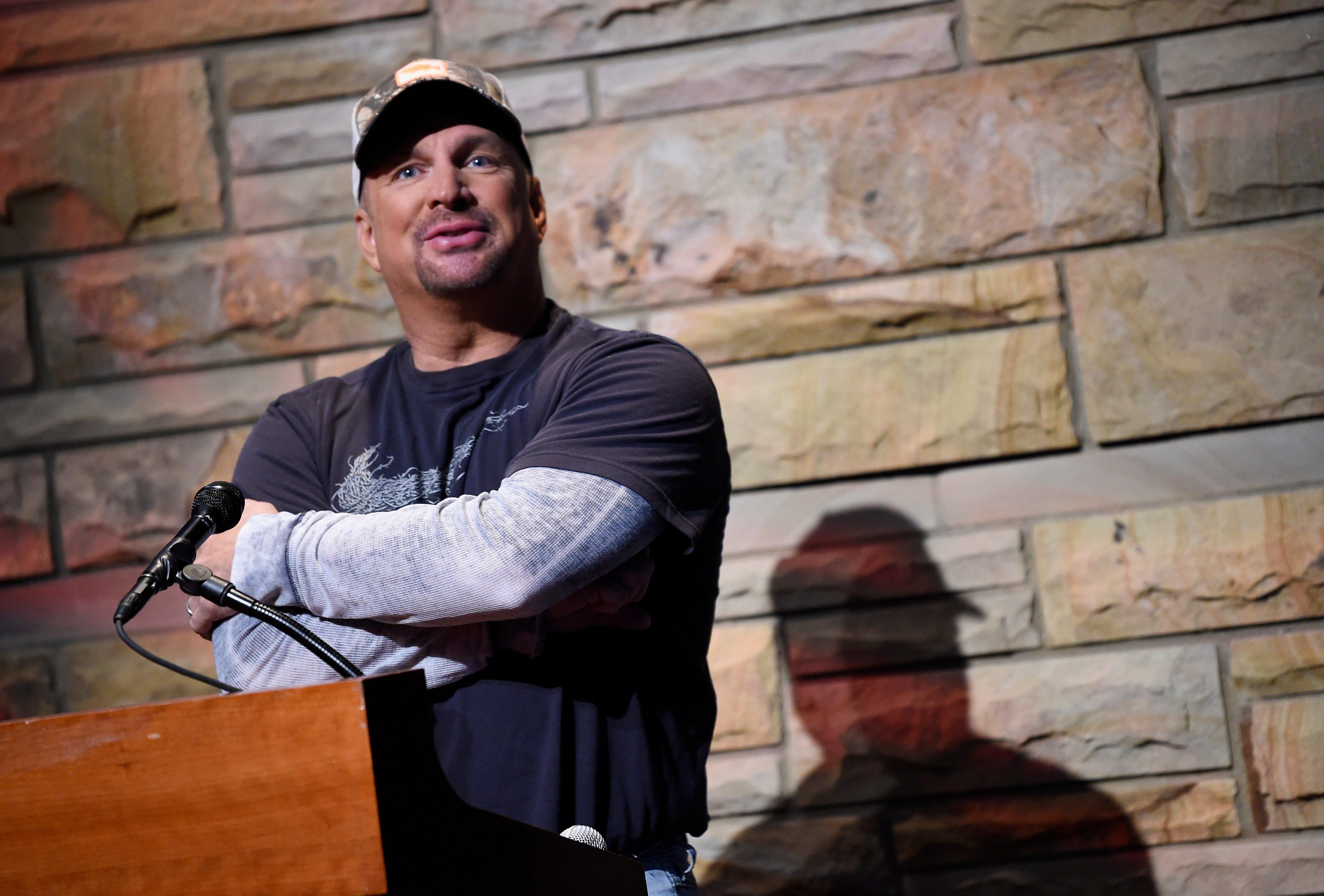 Garth Brooks reveals 2019 stadium tour