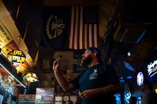 Where can you still smoke in a bar in Nashville?