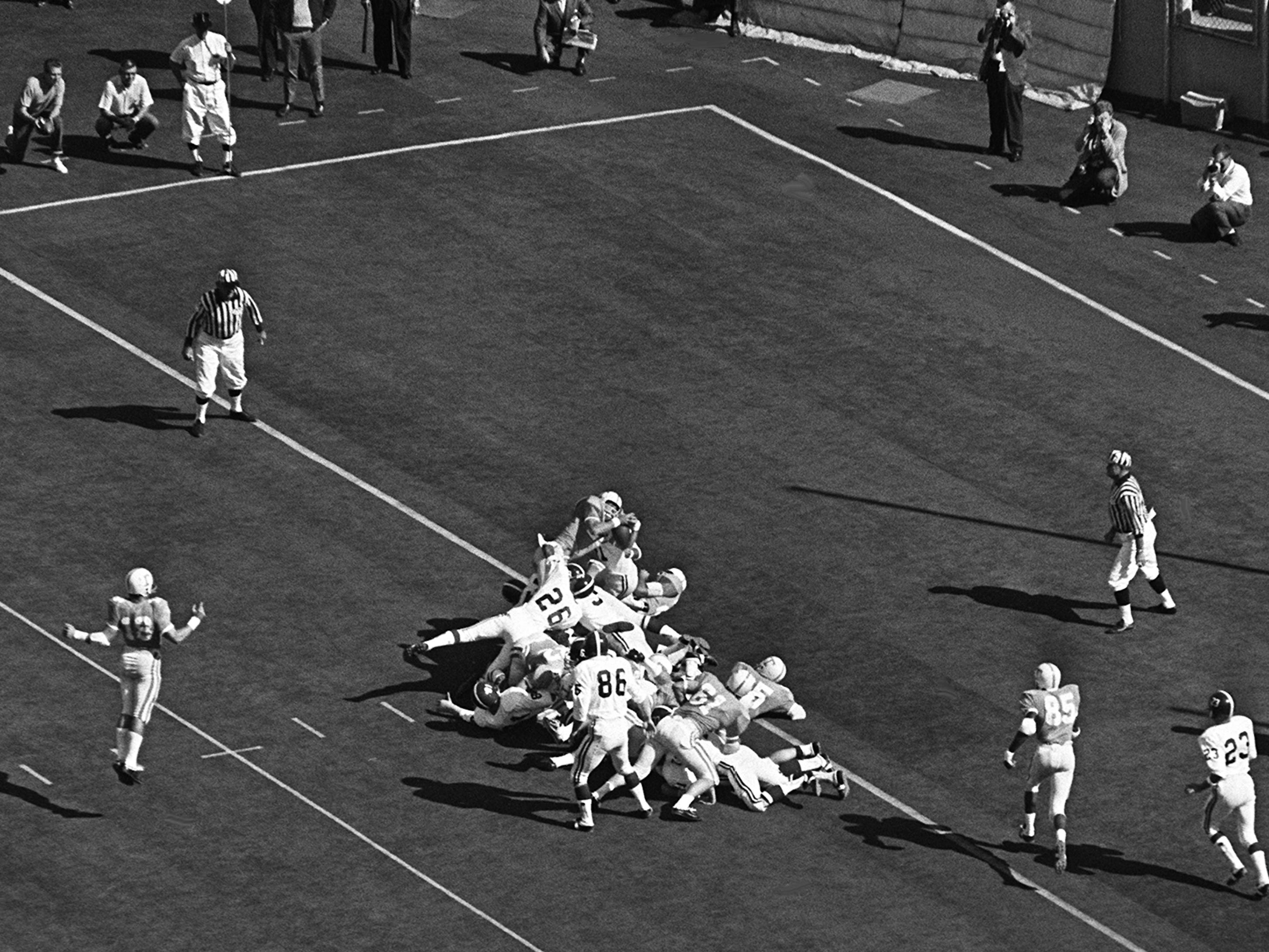 Tennessee senior back Richmond Flowers (22) dives over the goal line from the one in the first quarter for the only touchdown of the game for the Vols against Alabama at Neyland Stadium Oct. 19, 1968.