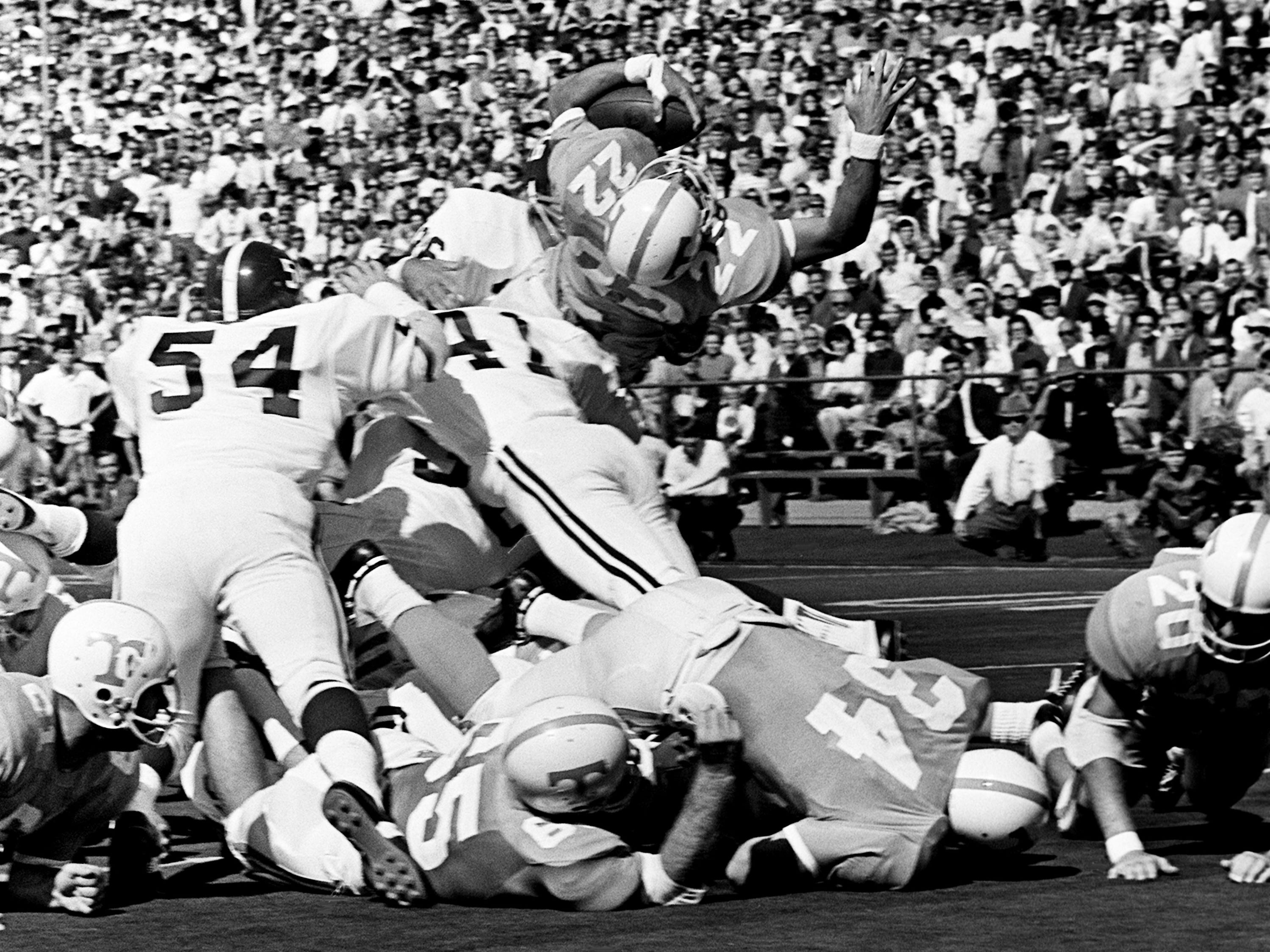 Tennessee senior back Richmond Flowers (22) dives over the goal line from the one-yard line for the only touchdown of the game for the Vols against Alabama. Flowers played his last game against his home state school by picking up 74 yards on 20 rushes and 37 more on five passes at Neyland Stadium on Oct. 19, 1968.