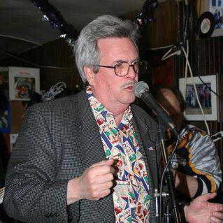 Bluebird Cafe fixture Bob Biles, a.k.a. 'Roberto Bianco,' dies at 72