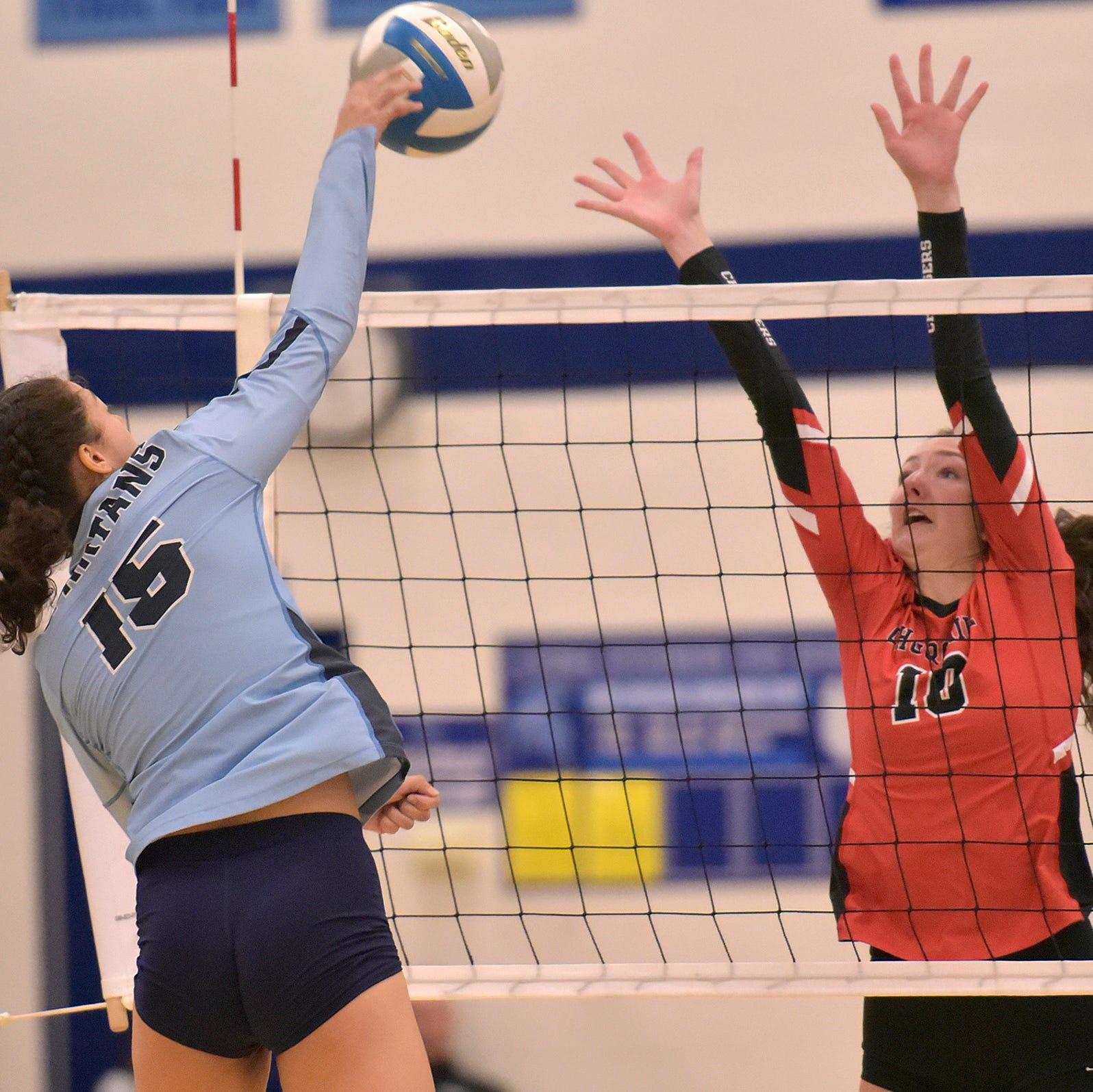 Churchill sews up KLAA East Division girls volleyball title vs. Stevenson