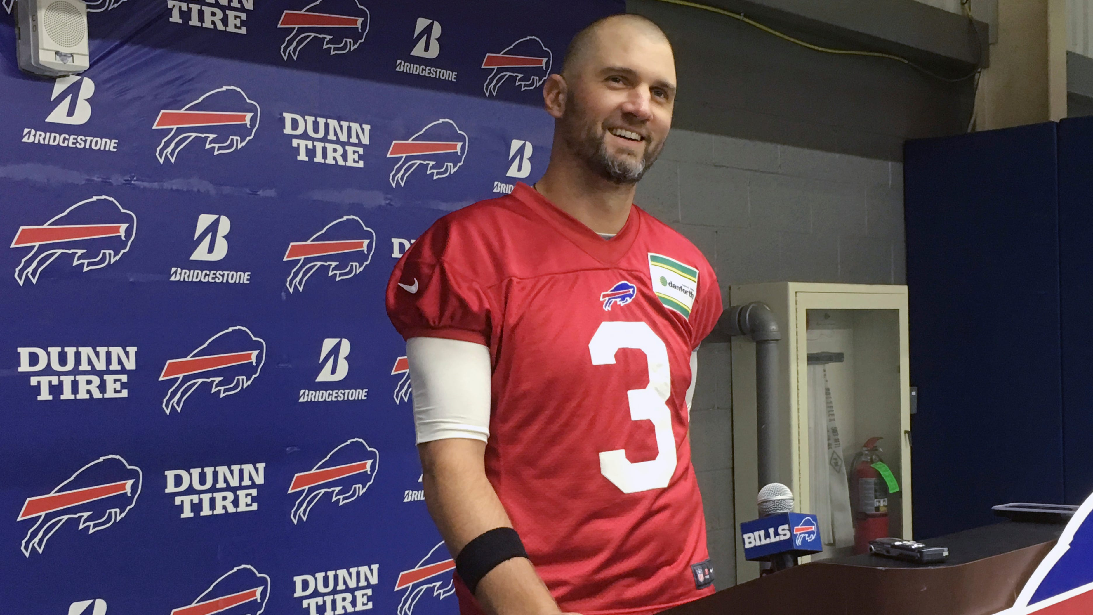 Phew, that was close! Buffalo Bills pick Anderson over Peterman to start at quarterback
