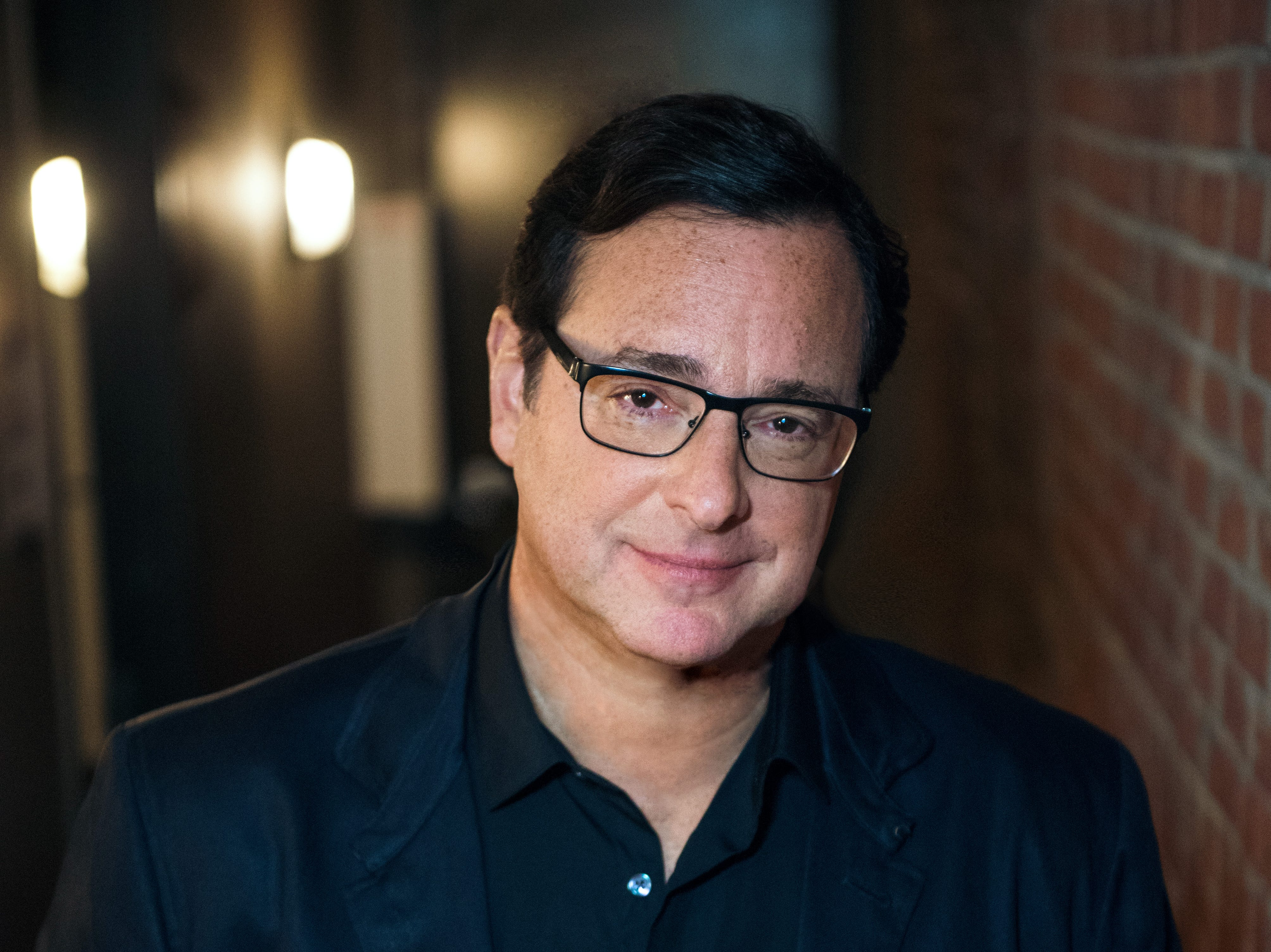 Bob Saget's stand-up show aims to make people laugh and sing
