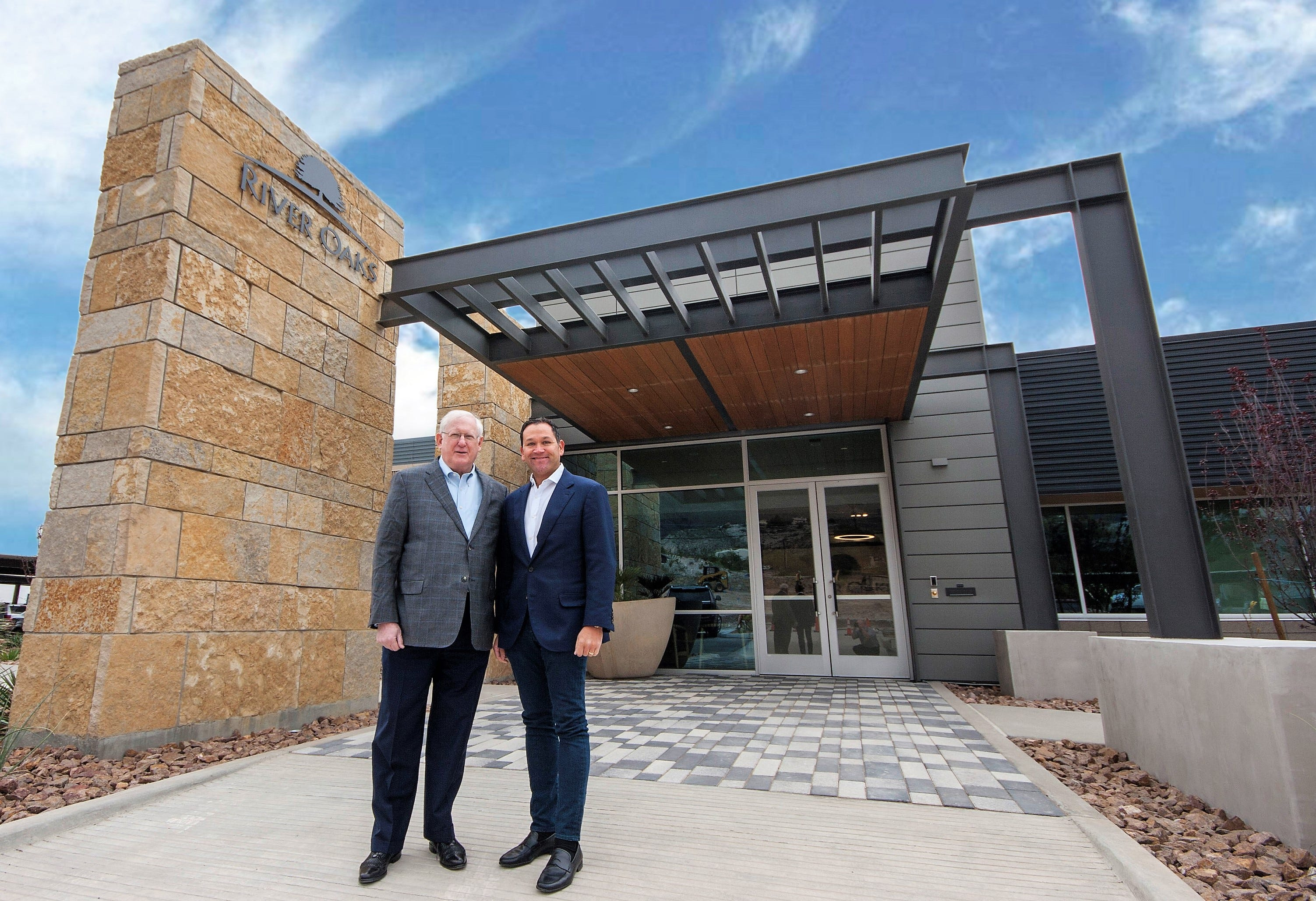 Shopping center developer River Oaks has new headquarters; Olive Garden GM a top manager | El Paso Times