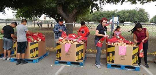SNAP cuts could Foodlink's Nutrition on the Go provides free food to Tulare County communities.