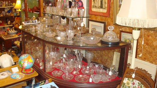 Glassware at the Cider Mill between Auburndale and Blenker.