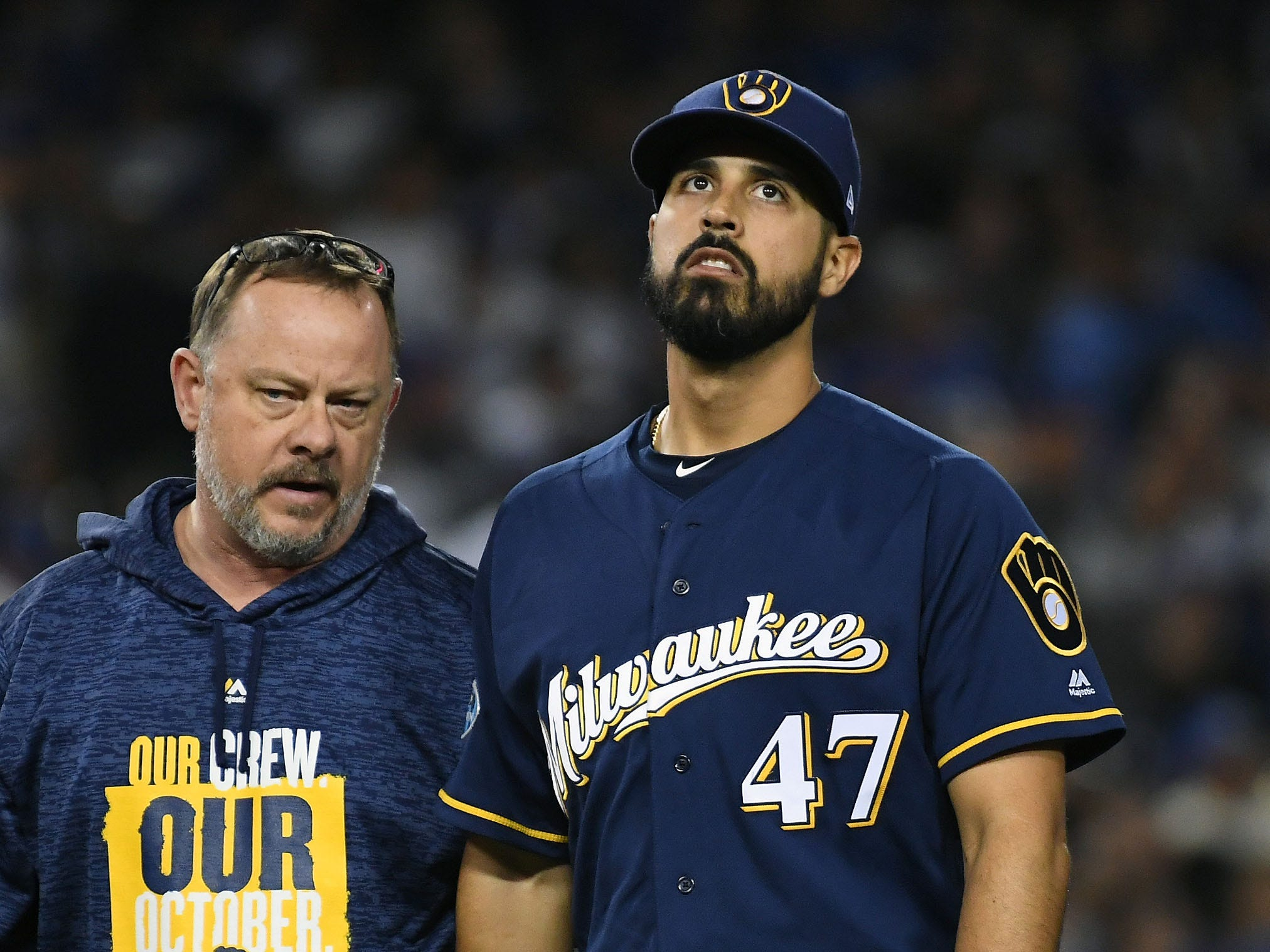 NLCS Game 4: Brewers starting pitcher Gio Gonzalez injures his ankle and has to leave the game in the second inning.
