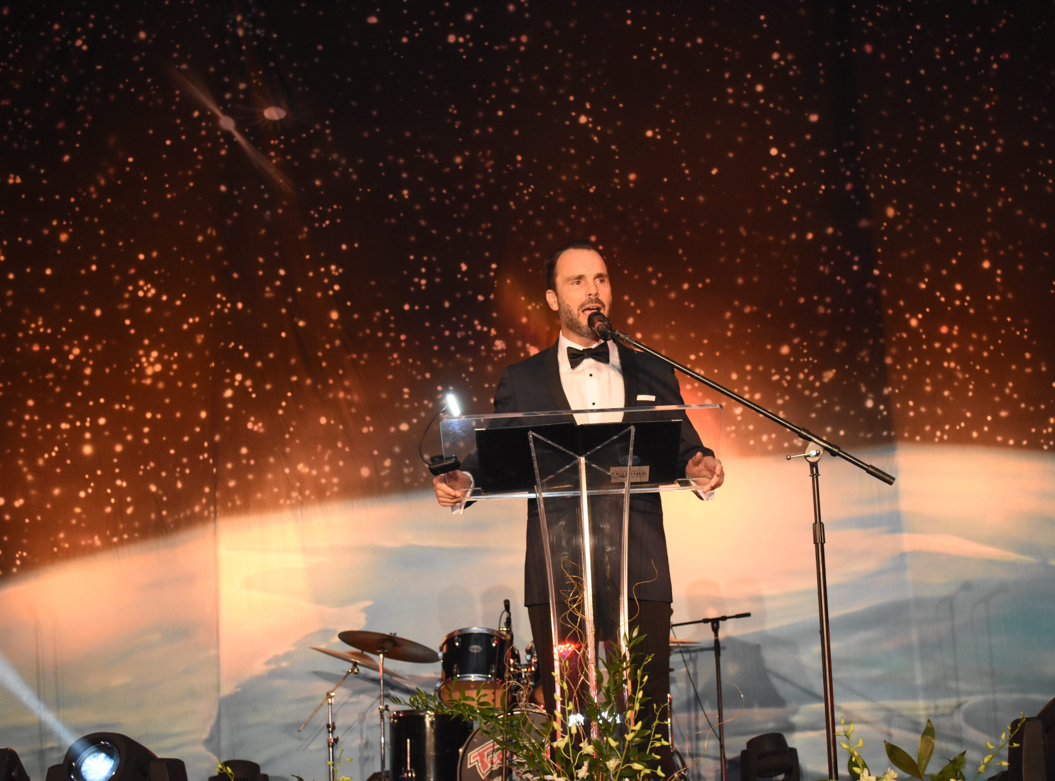 Florida Tech Execuitive Director of the Alumni Association and Master of Ceremonies Bino Campanini welcomes guests at Florida Tech's 60th Anniversary Homecoming Gala Oct. 13, 2018, at the Clemente Center.