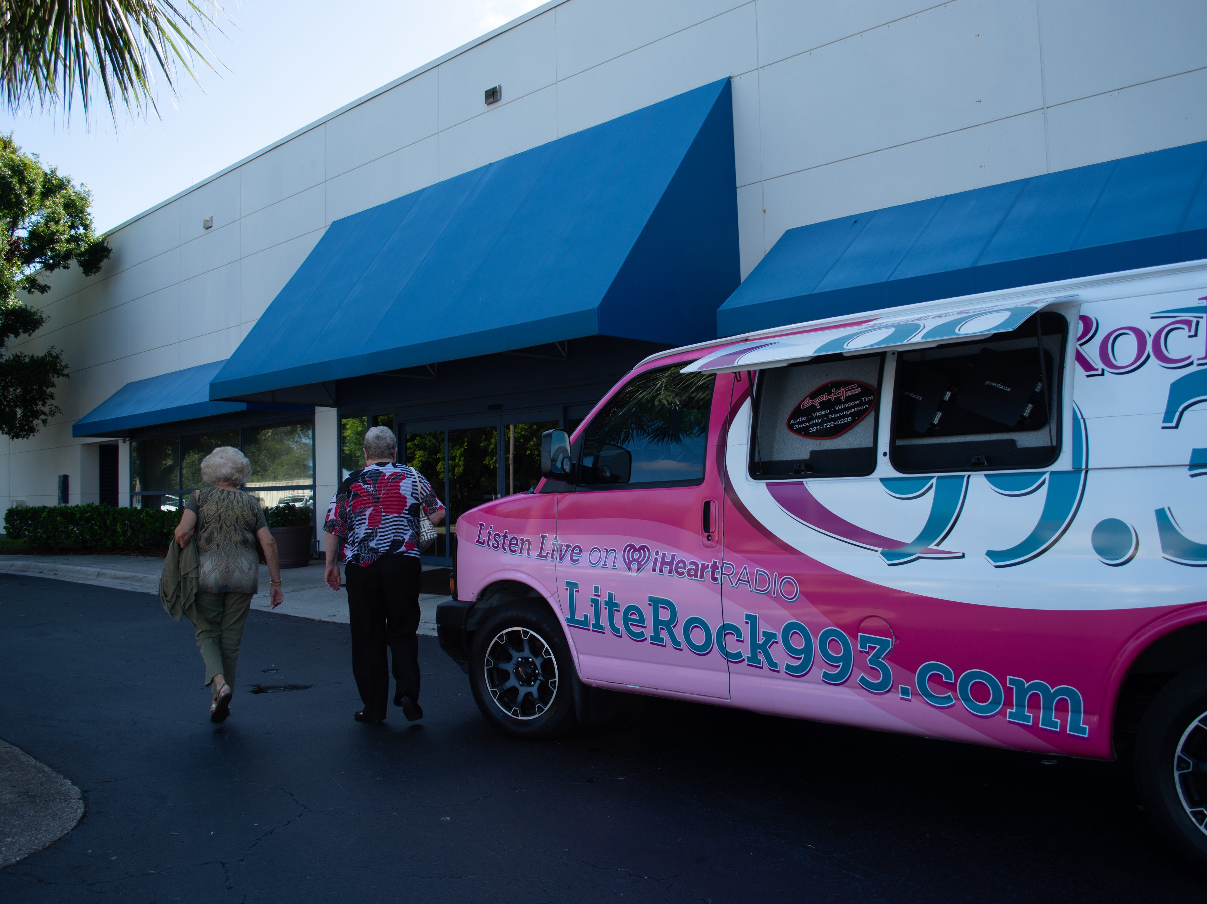 Lite Rock 99.3 was at Purses with a Purpose, Mindy was the event's emcee.
