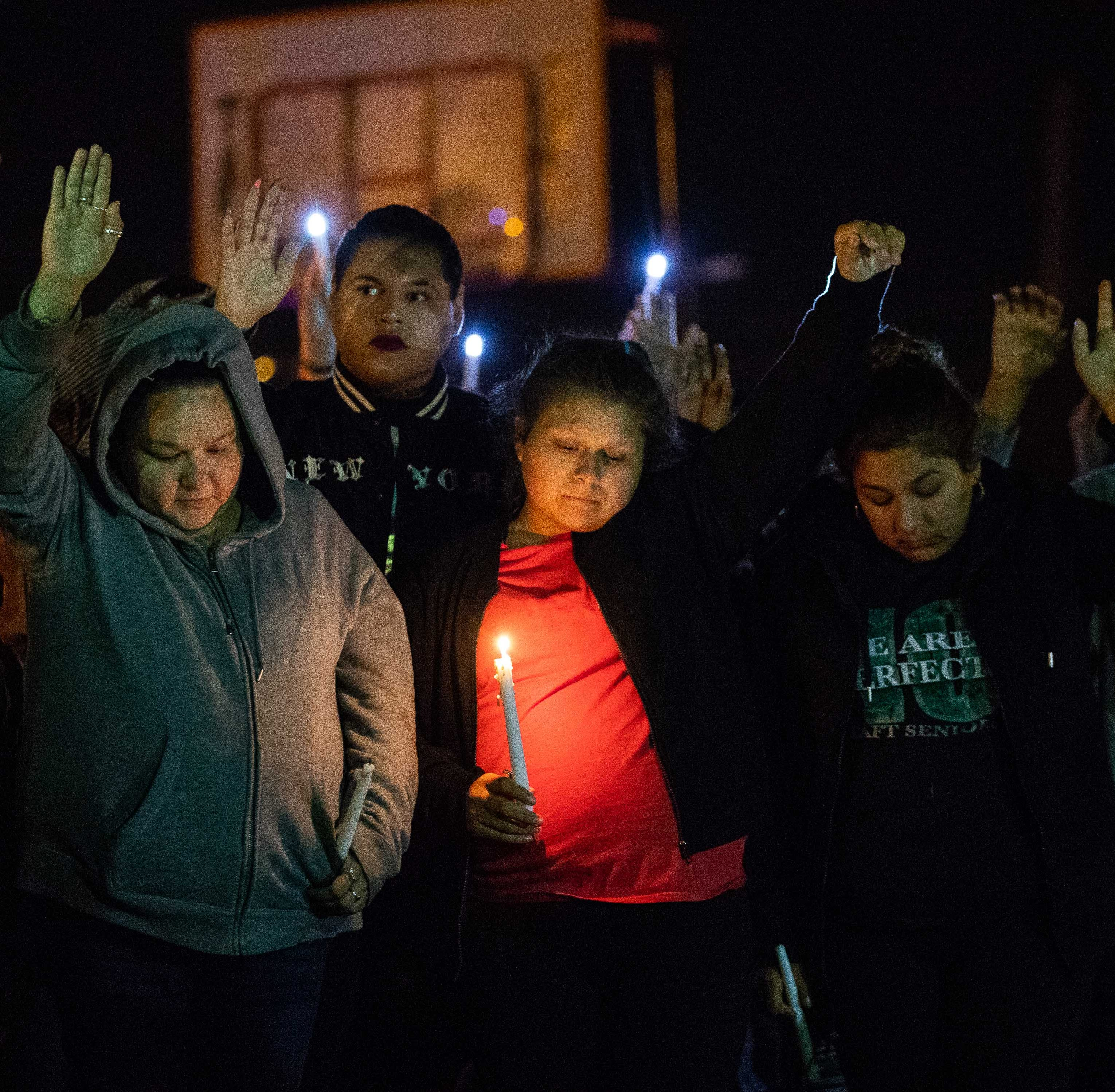 Candid light vigil held in Taft for the victims Saturdays shooting that killed 4 men
