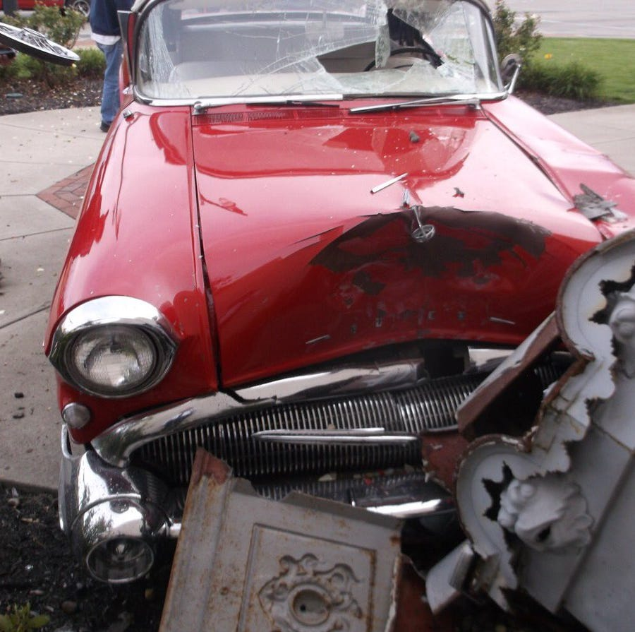 Historic statue suffers 'extensive damage' after vintage car crash