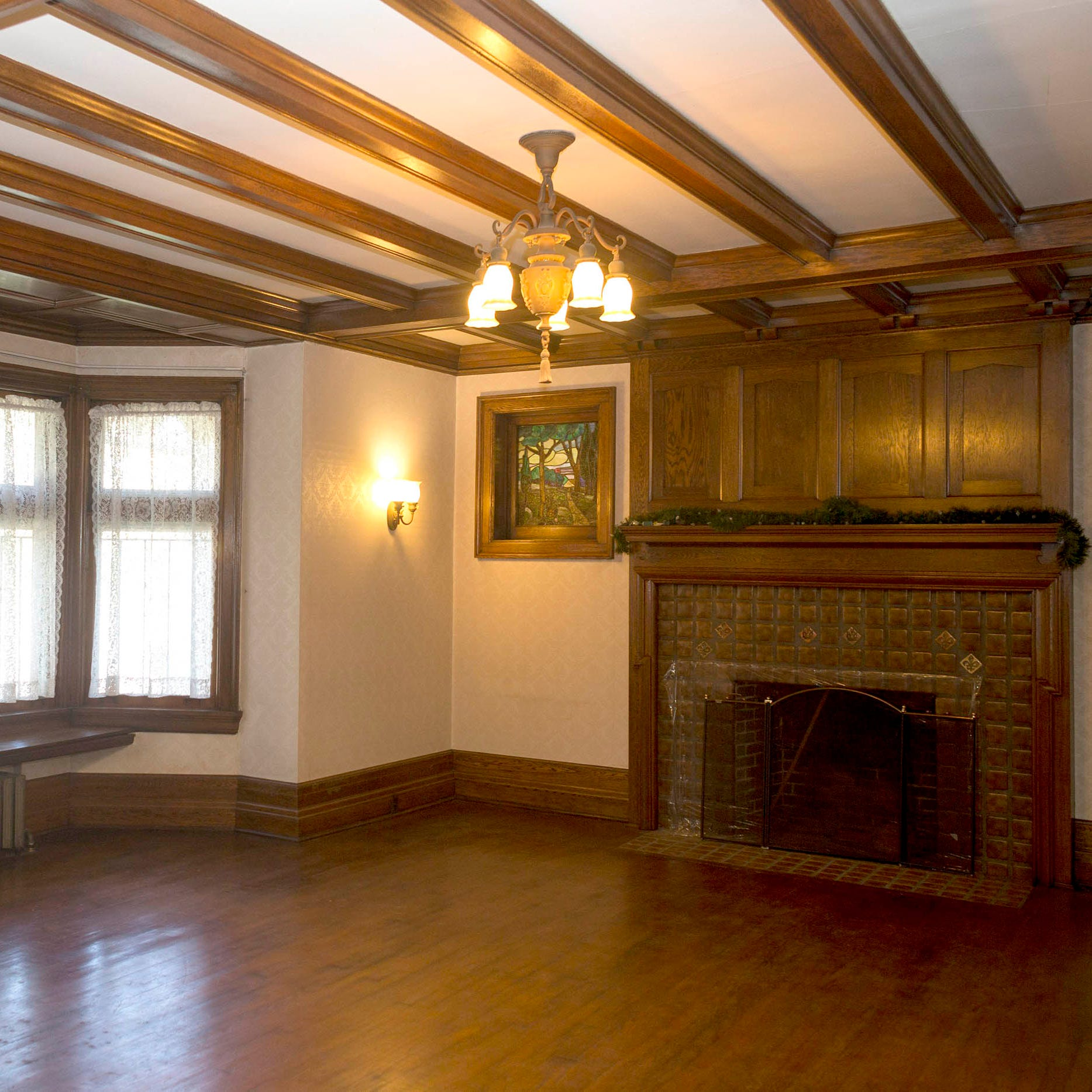 Century-old Boston-Edison home retains even its umbrella drain