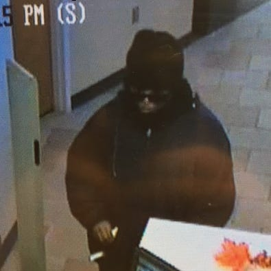 Woman sought in Macomb Twp. bank robbery