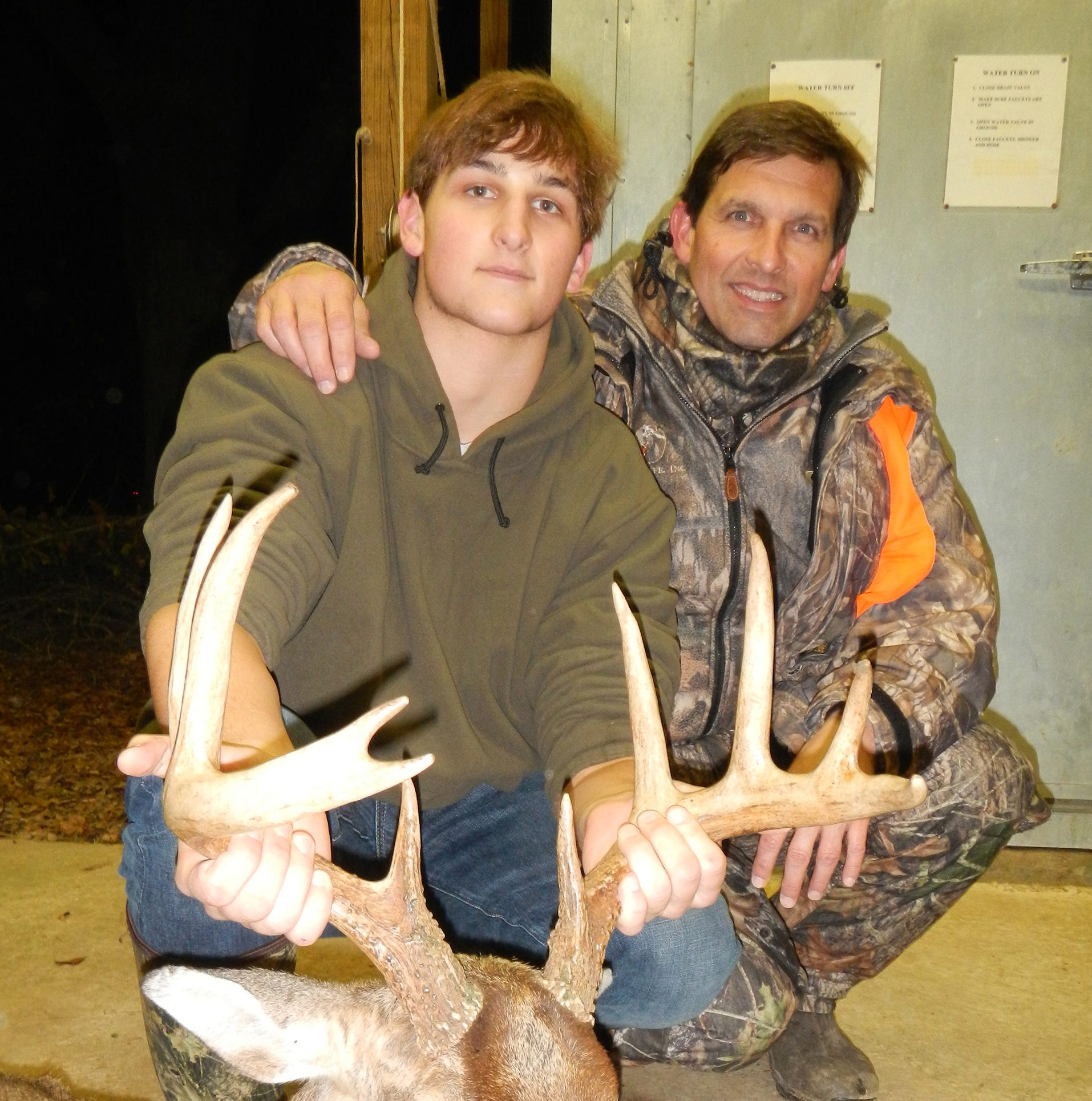 Want to hold bucks on your hunting land? You'll need more than food, study indicates