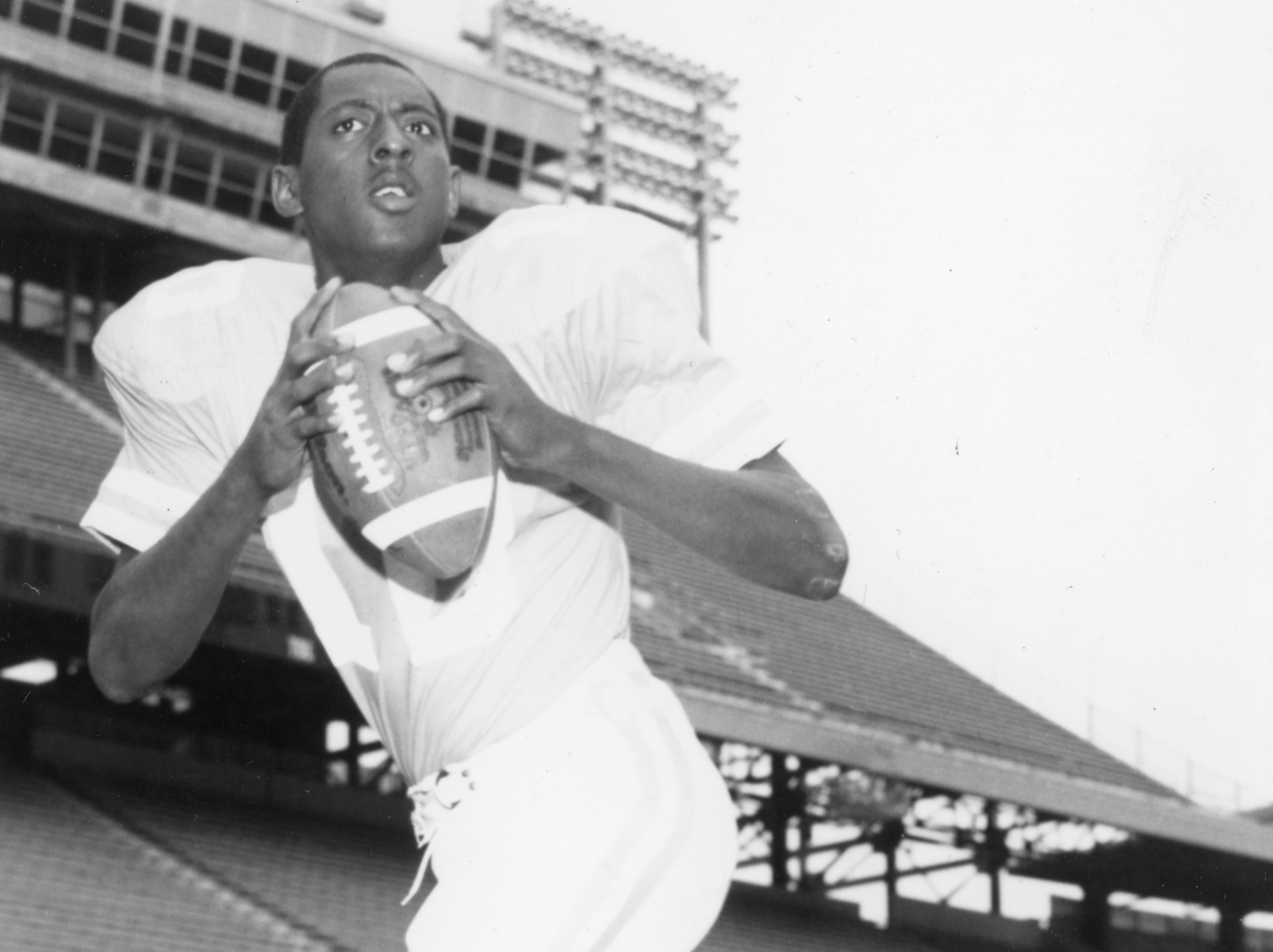 Tennessee Vols quarterback Tony Robinson on January 28, 1987.