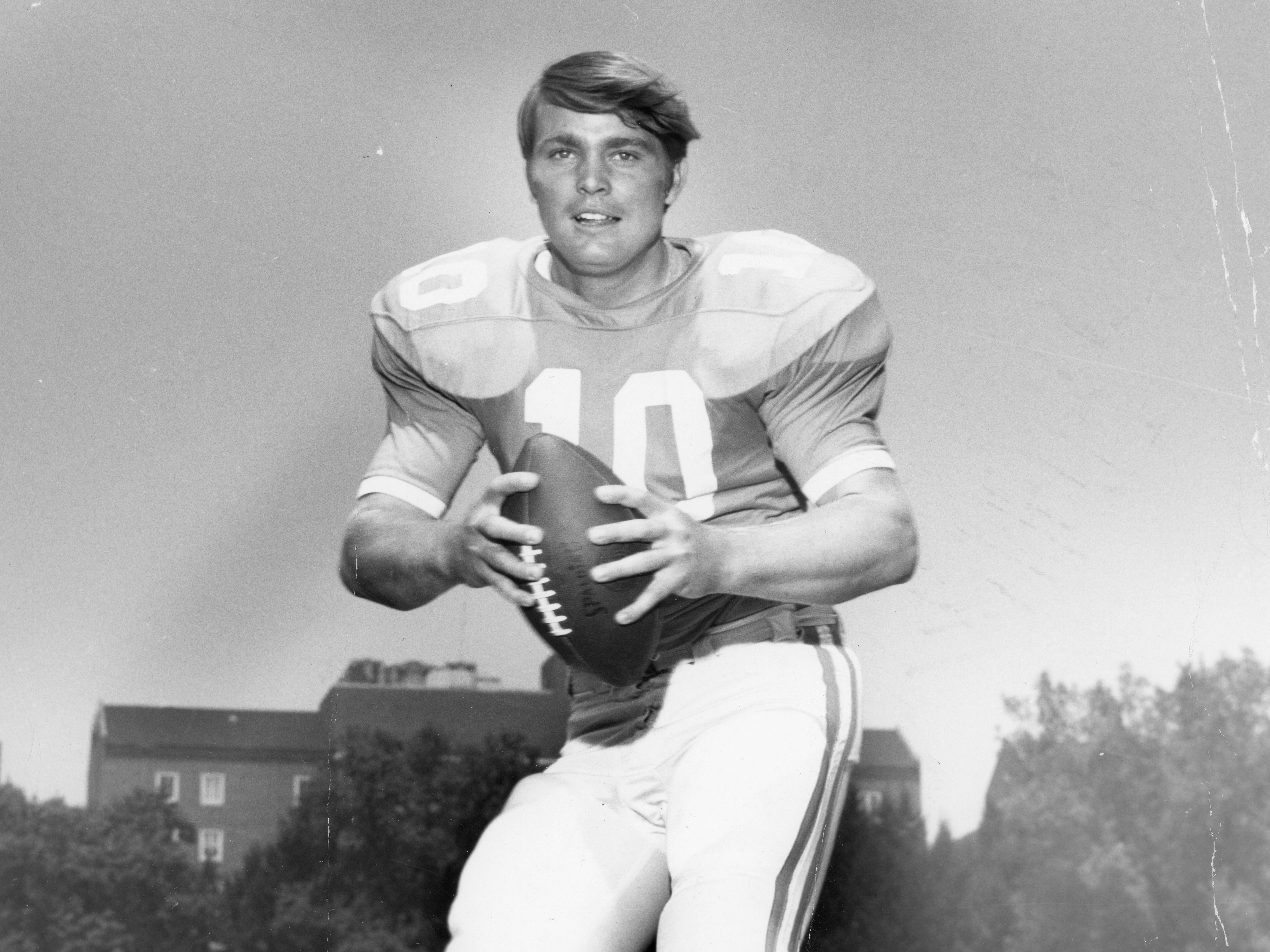 Tennessee Vols quarterback Bobby Scott on September 15, 1971.