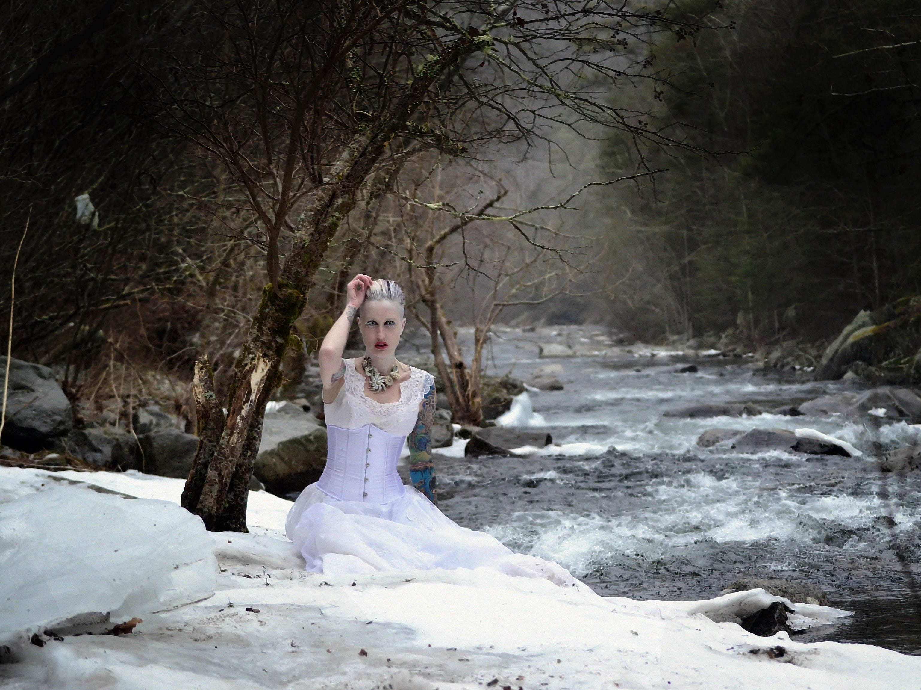 Lori Cannon participates in this seasonal-themed photography shoot by Mallory Bertrand