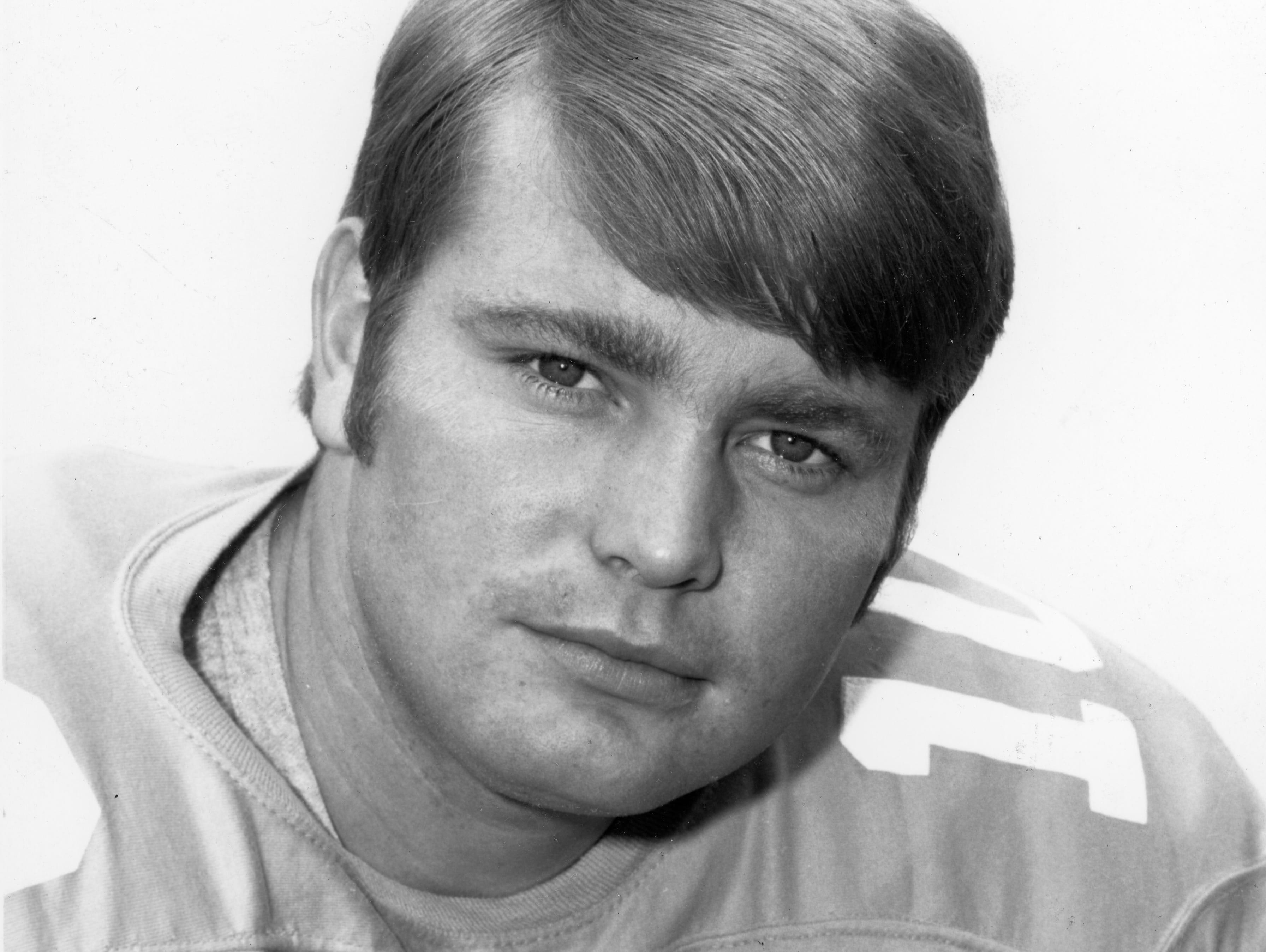 Tennessee Vols quarterback Bobby Scott.